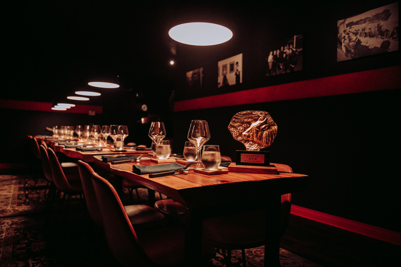 Swagyu Study Hall's 20-seat table