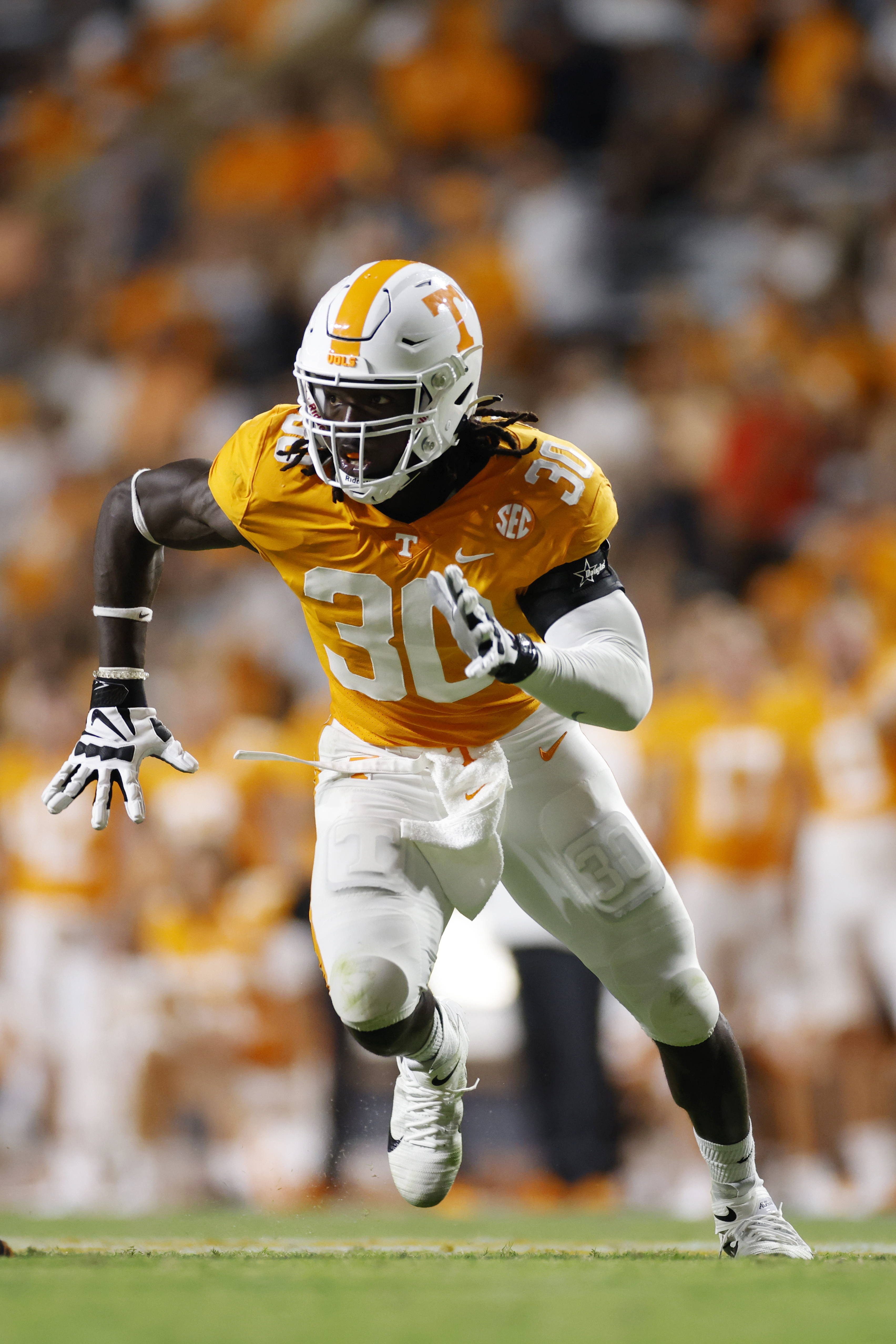 Tennessee Volunteers linebacker Roman Harrison rushes on defense during a college football game against the Bowling Green Falcons on Sept. 2, 2021 at Neyland Stadium in Knoxville, Tennessee.
