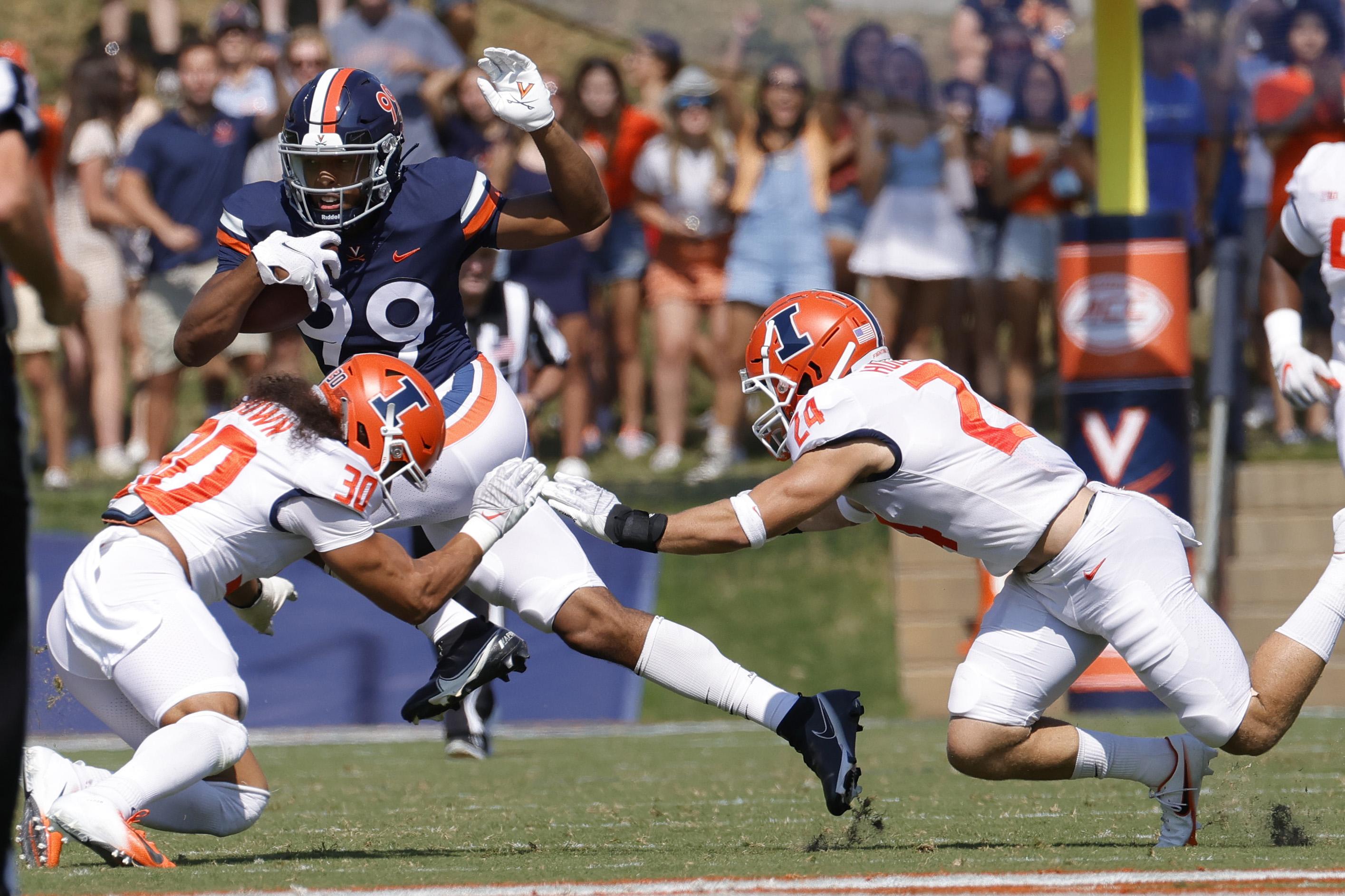 NCAA Football: Illinois at Virginia