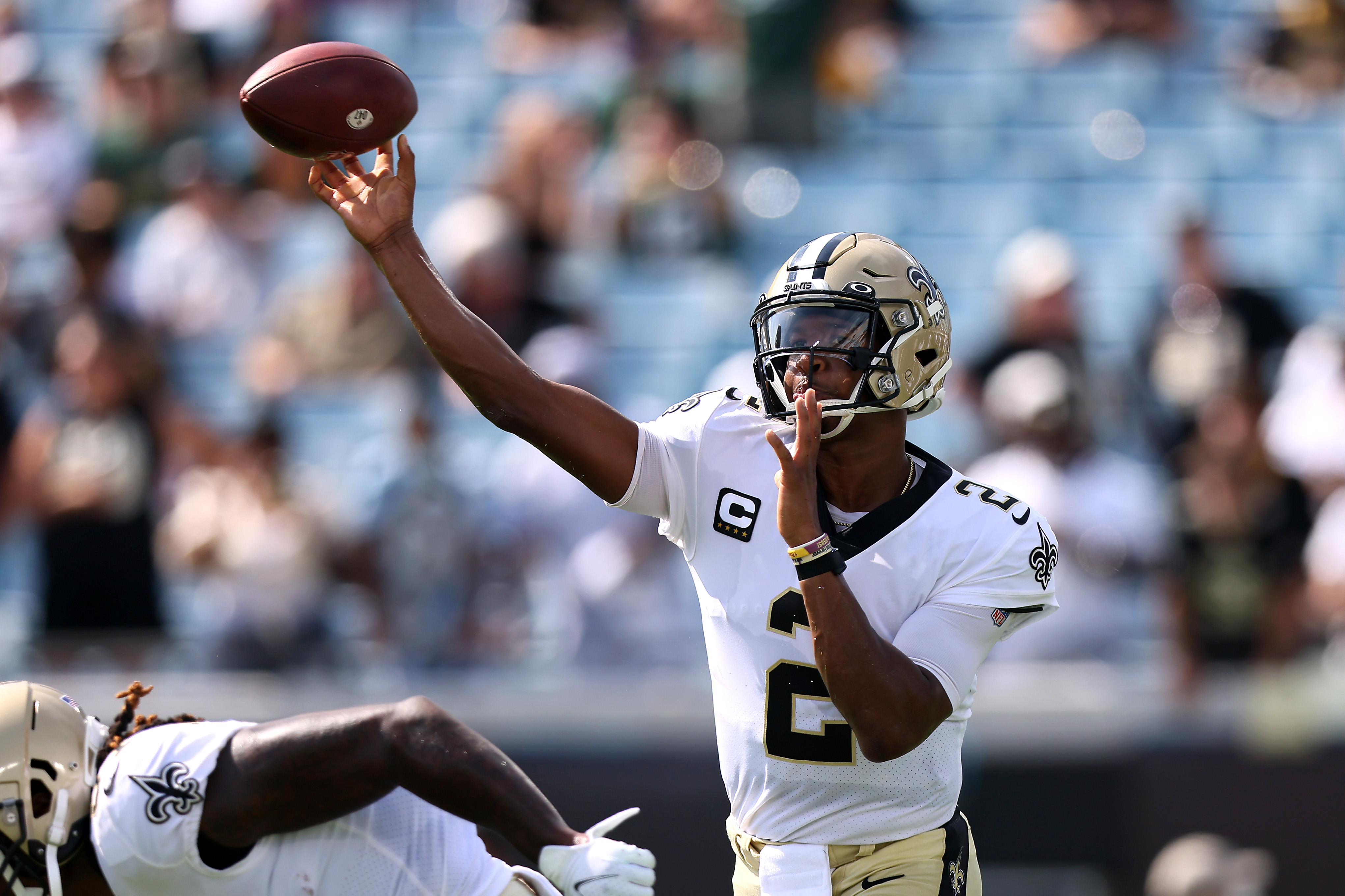 Jameis Winston #2 of the New Orleans Saints warms up prior to the game against the Green Bay Packers at TIAA Bank Field on September 12, 2021 in Jacksonville, Florida.
