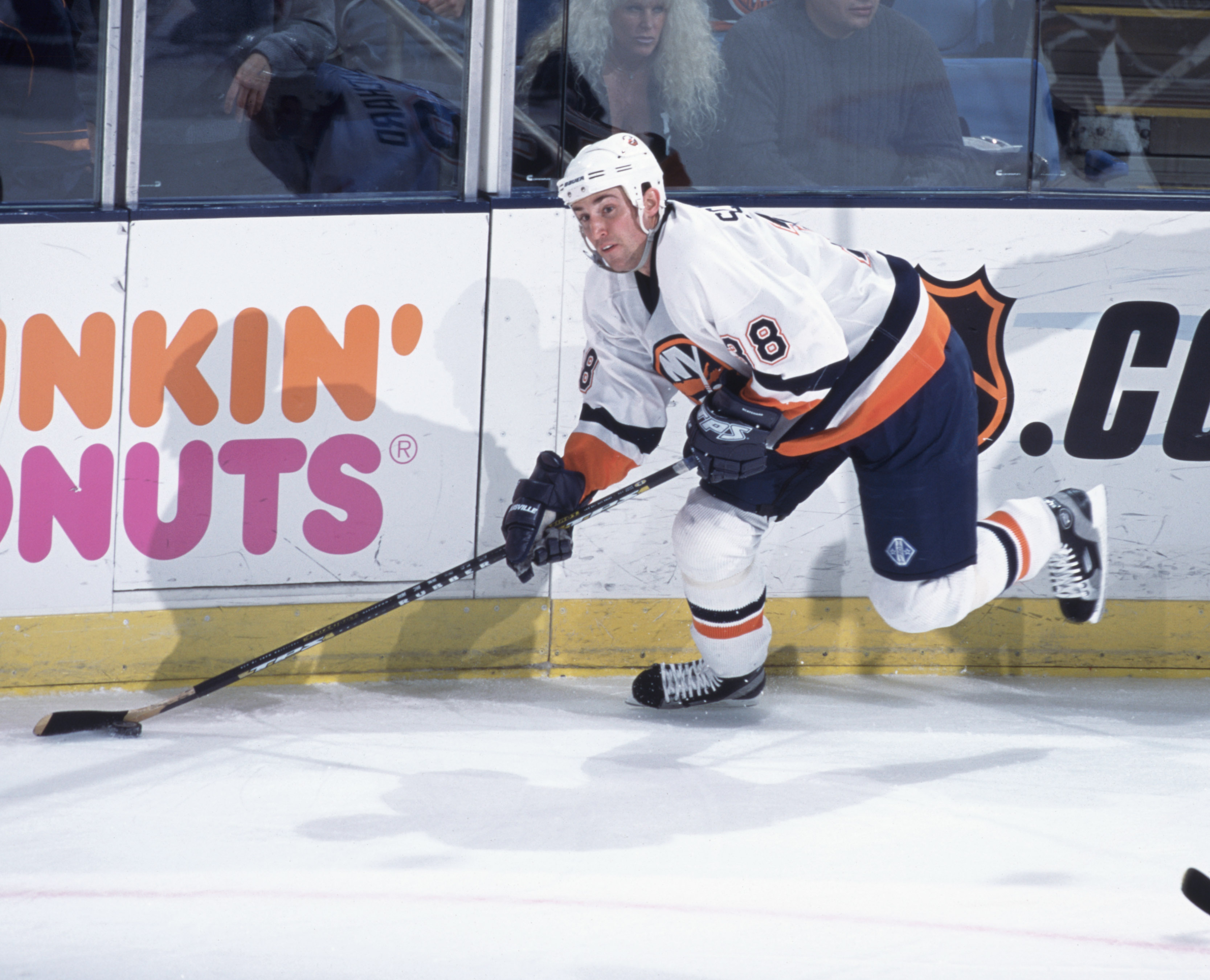 Dave Scatchard skates with the puck