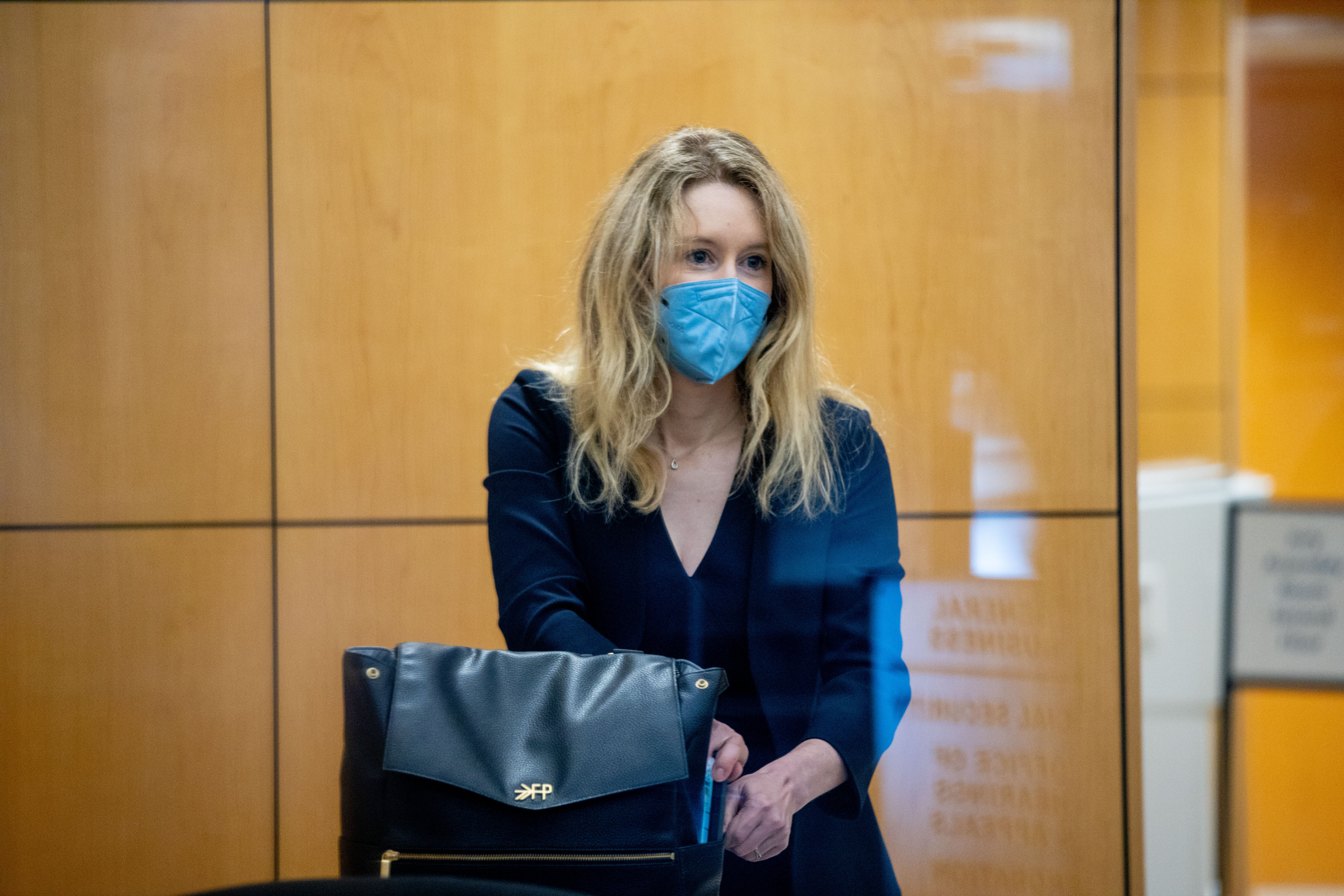 Elizabeth Holmes Theranos Trial Begins With Jury Selection