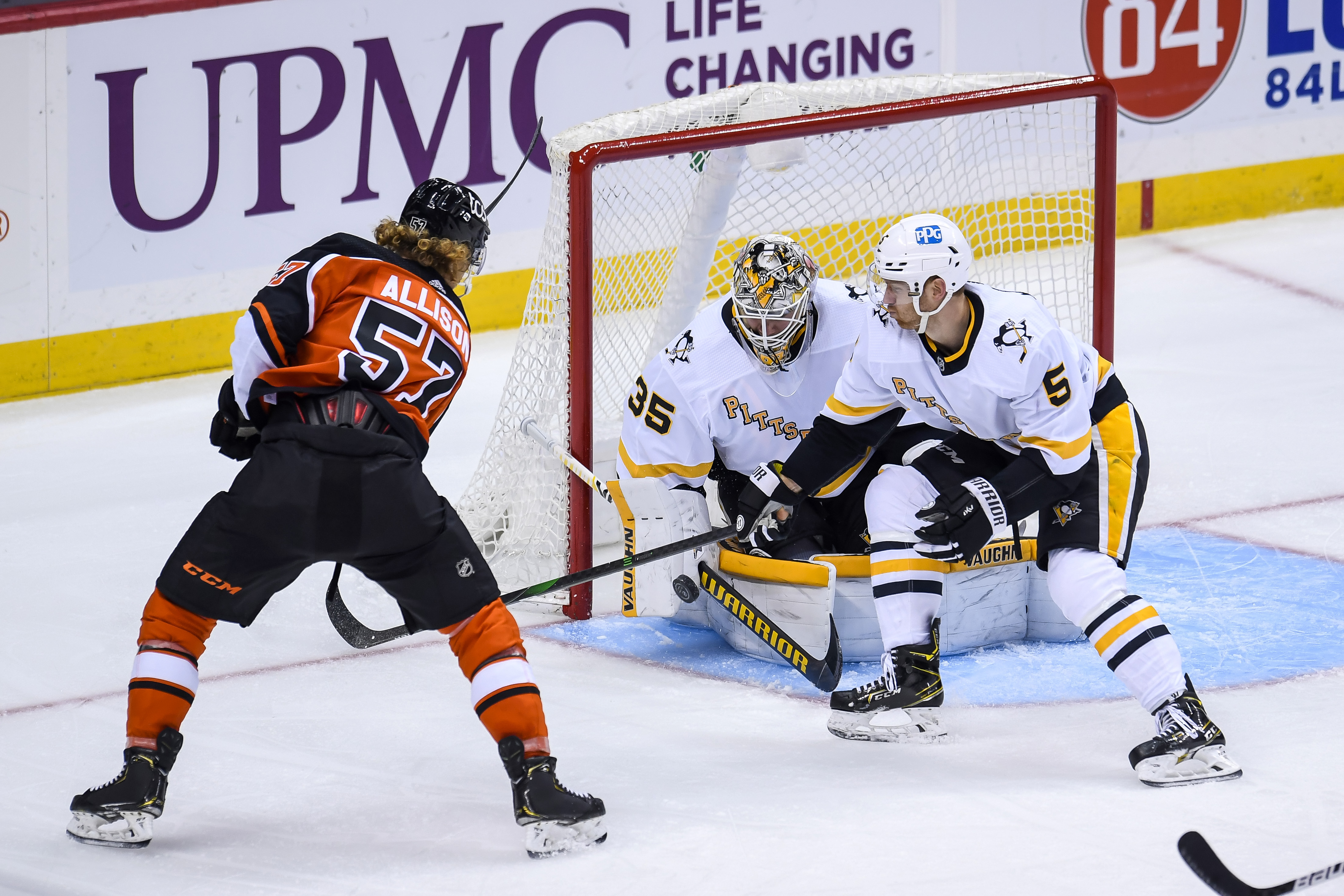 NHL: APR 15 Flyers at Penguins