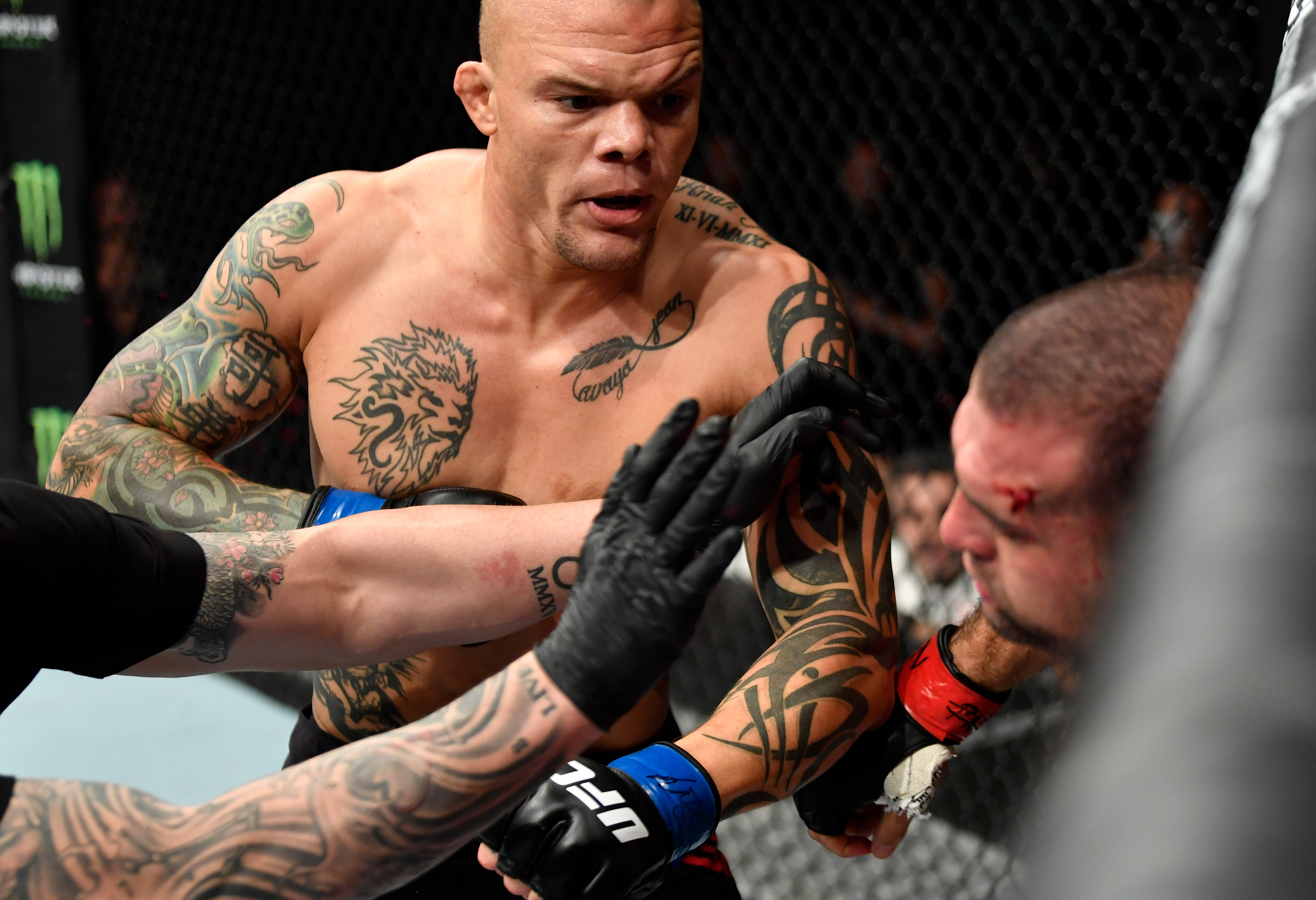 Anthony Smith is favored over Ryan Spann in the UFC Vegas 37 main event