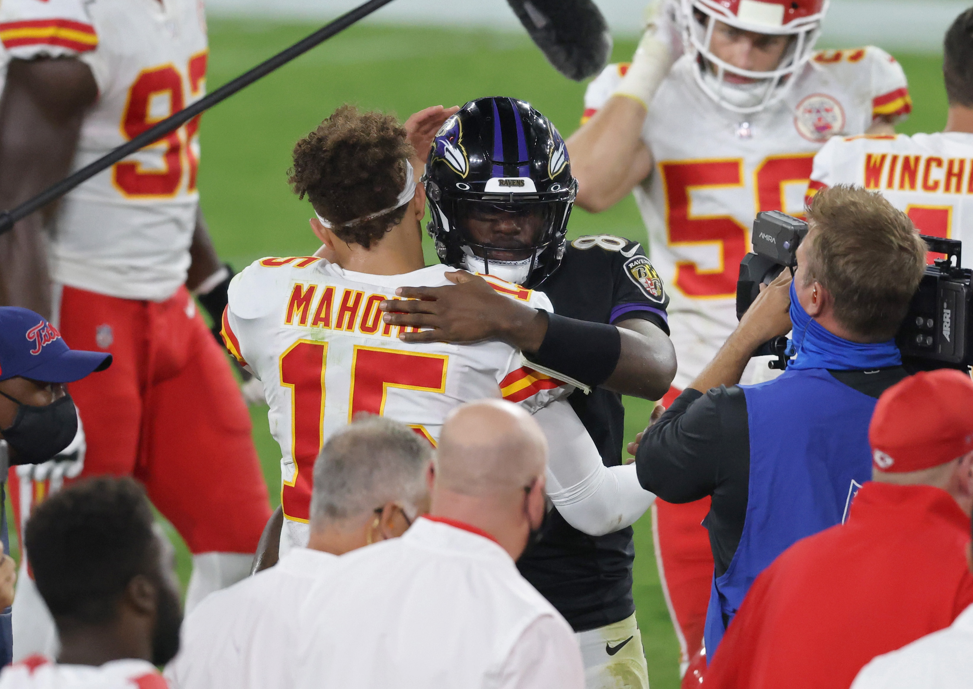 Patrick Mahomes #15 of the Kansas City Chiefs and Lamar Jackson #8 of the Baltimore Ravens greet each other at the end of the game at M&T Bank Stadium on September 28, 2020 in Baltimore, Maryland.