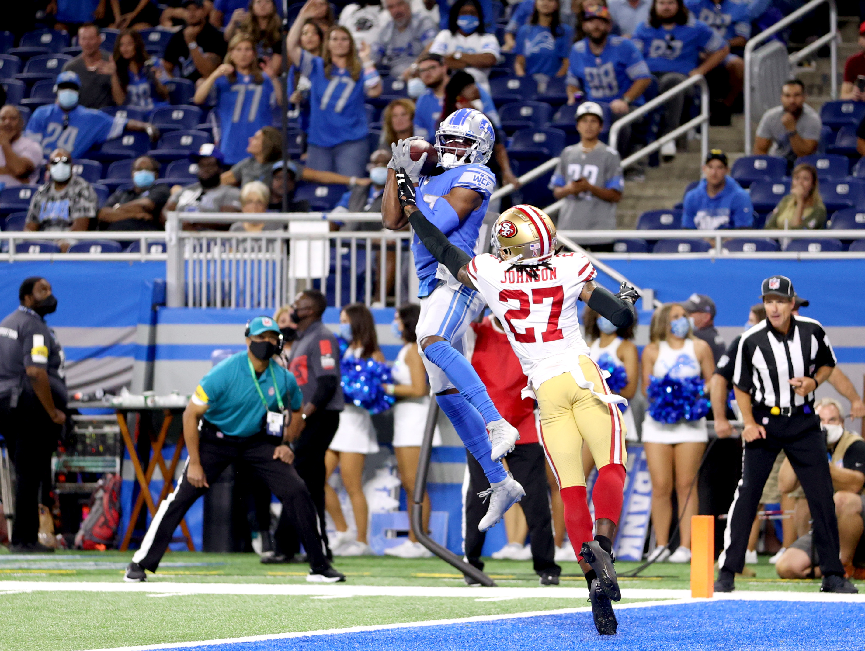 Quintez Cephus #87 of the Detroit Lions makes a reception on a two point conversion attempt against the San Francisco 49ers during the fourth quarter at Ford Field on September 12, 2021 in Detroit, Michigan.