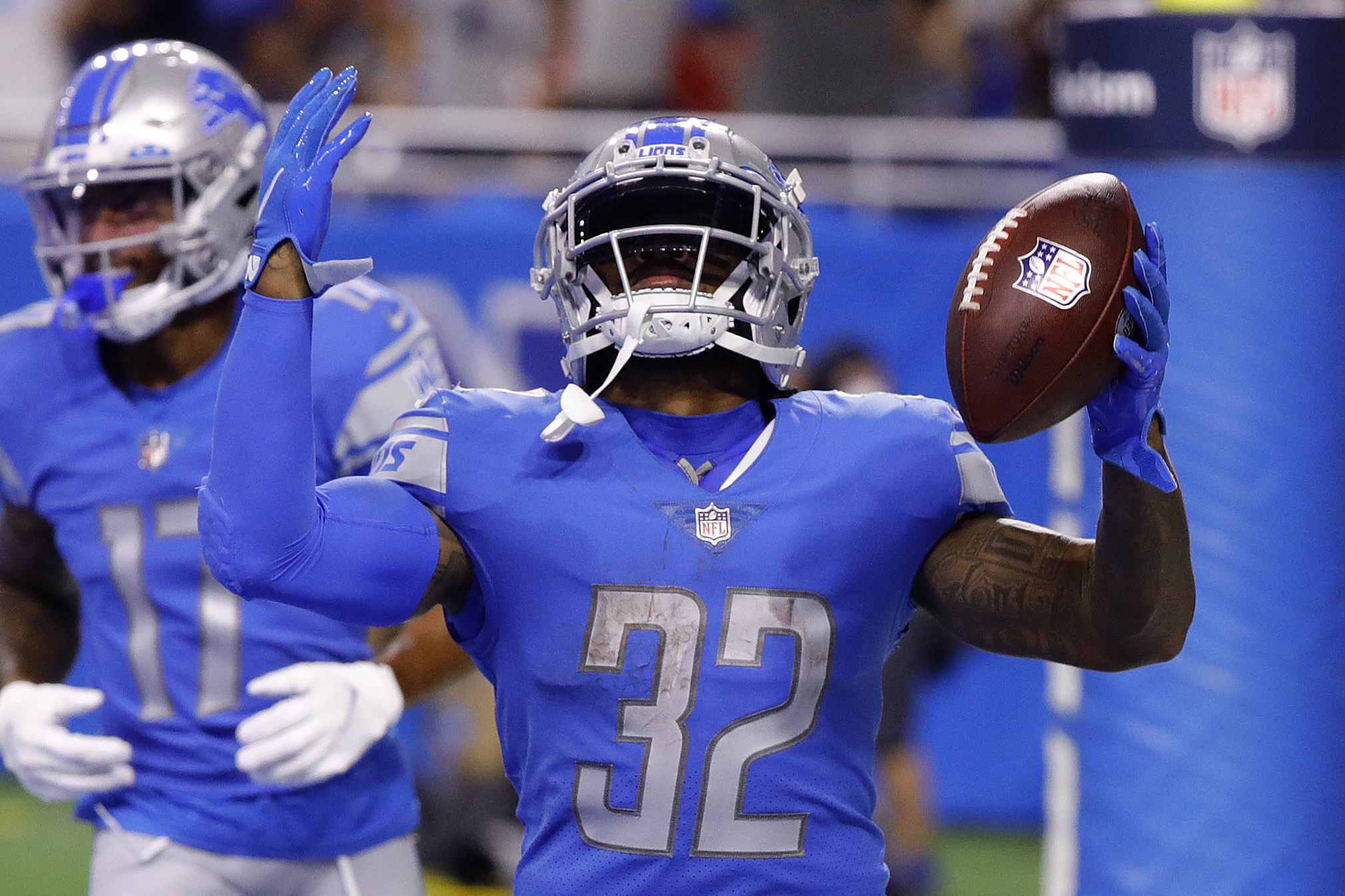 D'Andre Swift #32 of the Detroit Lions celebrates his touchdown against the San Francisco 49ers during the third quarter at Ford Field on September 12, 2021 in Detroit, Michigan.