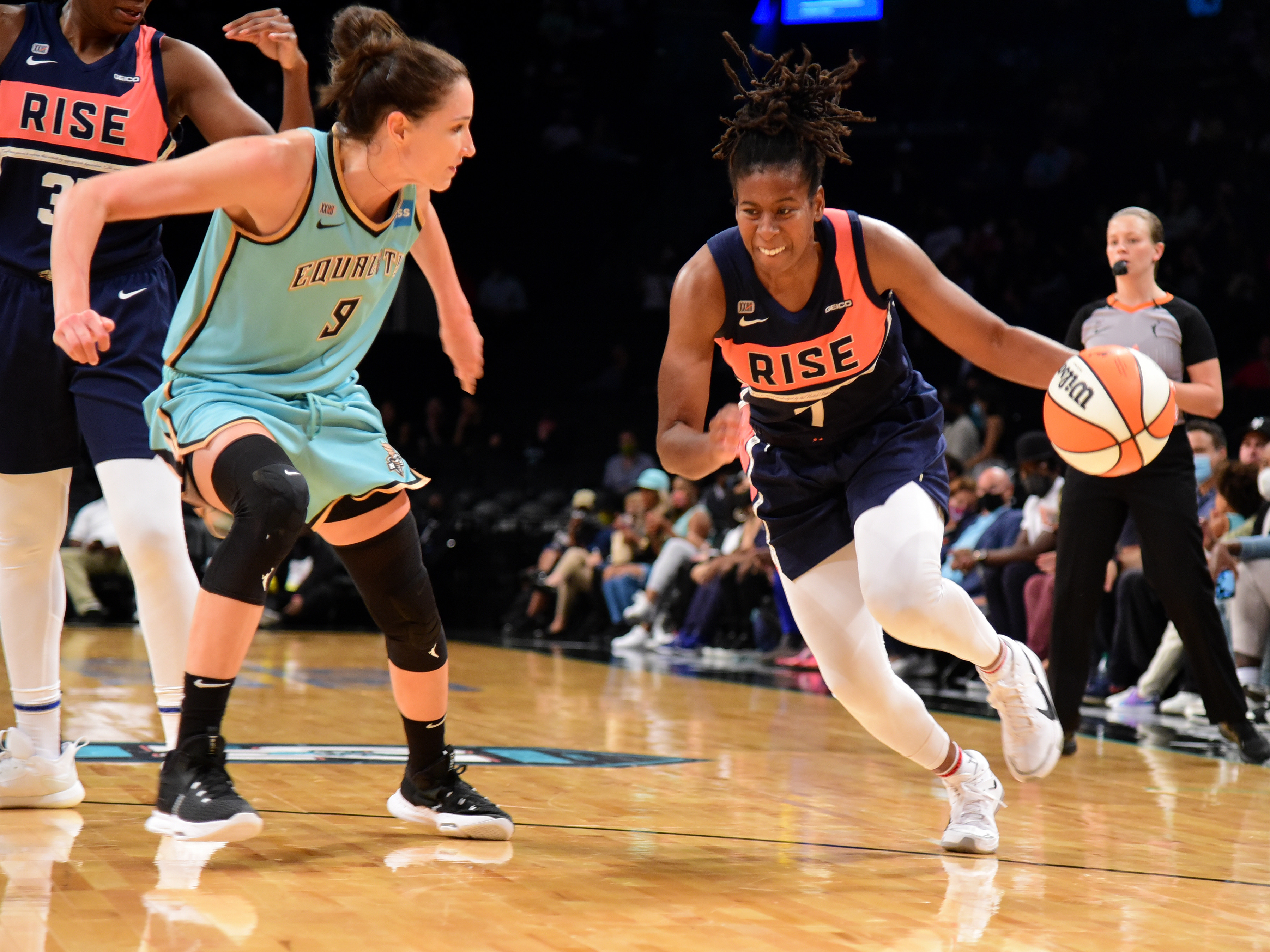 Ariel Atkins #7 of the Washington Mystics drives to the basket against the New York Liberty on August 12, 2021 at Barclays Center in Brooklyn, New York.