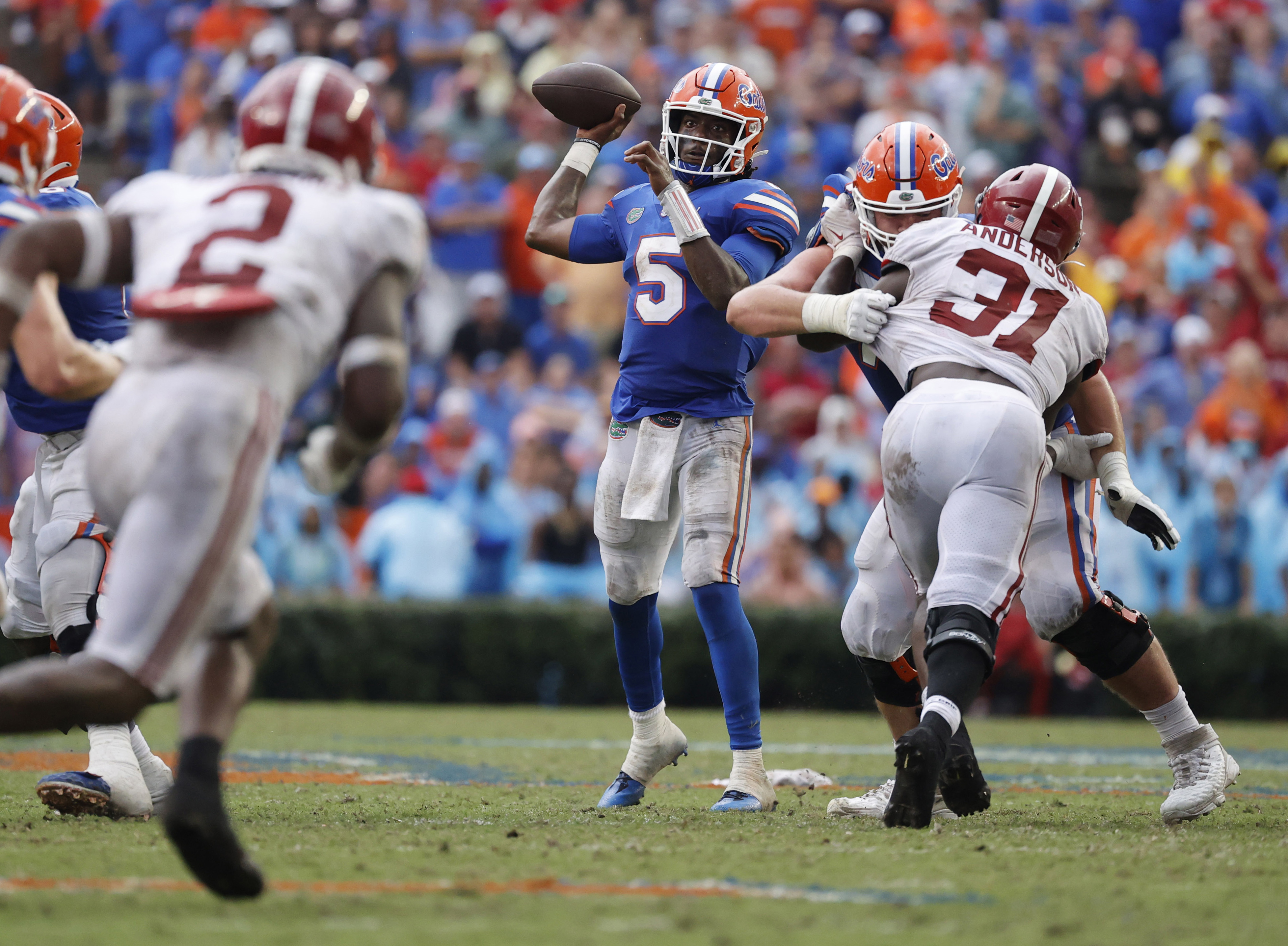 Florida Gators quarterback Emory Jones throws the ball against the Alabama Crimson Tide during the second half at Ben Hill Griffin Stadium