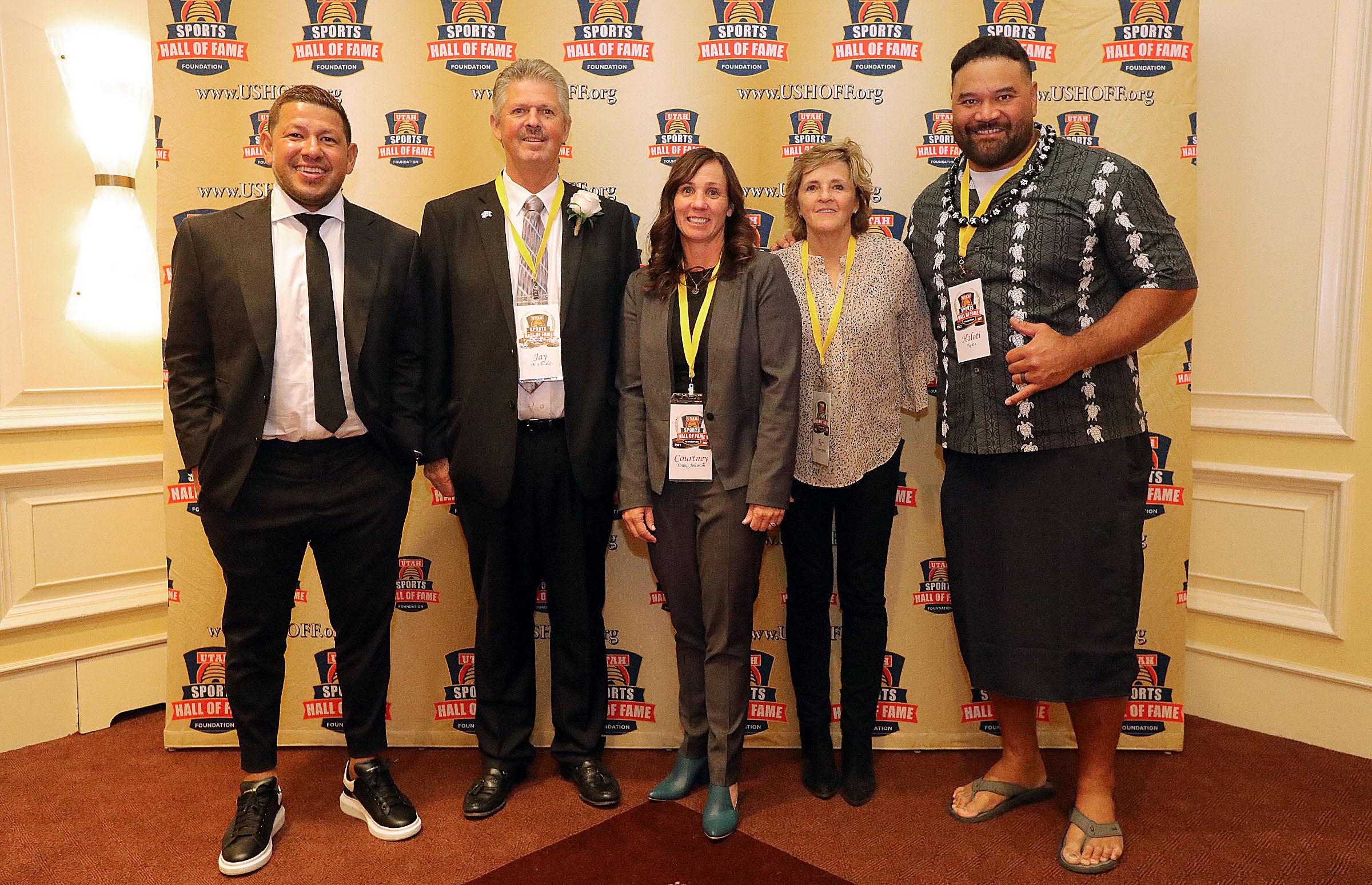 Nick Rimando, Jay Don Blake, Courtney Young Johnson, Teri Okelberry Spiers and Haloti Ngata pose for a photo