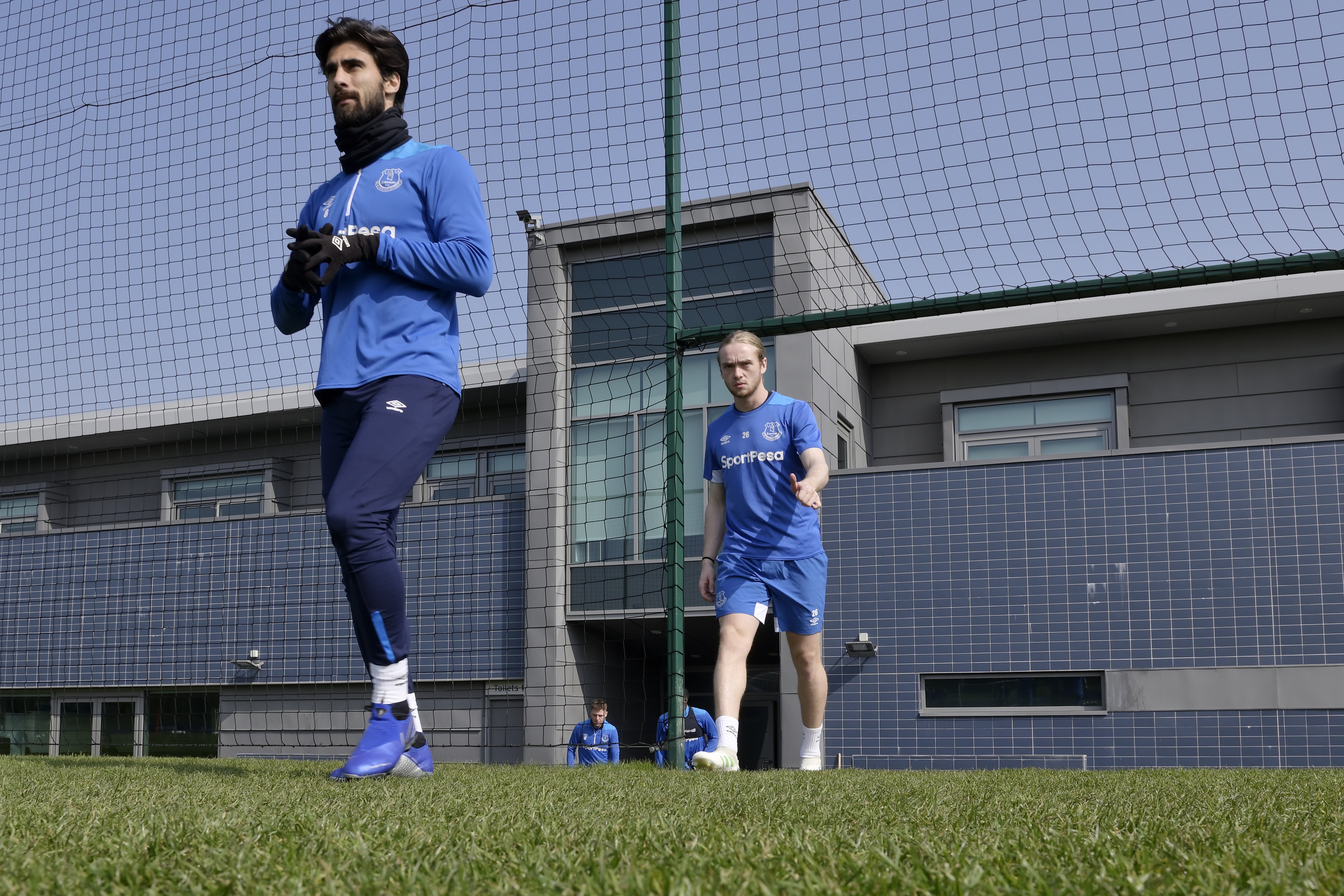 First Team Players Train With Everton Academy
