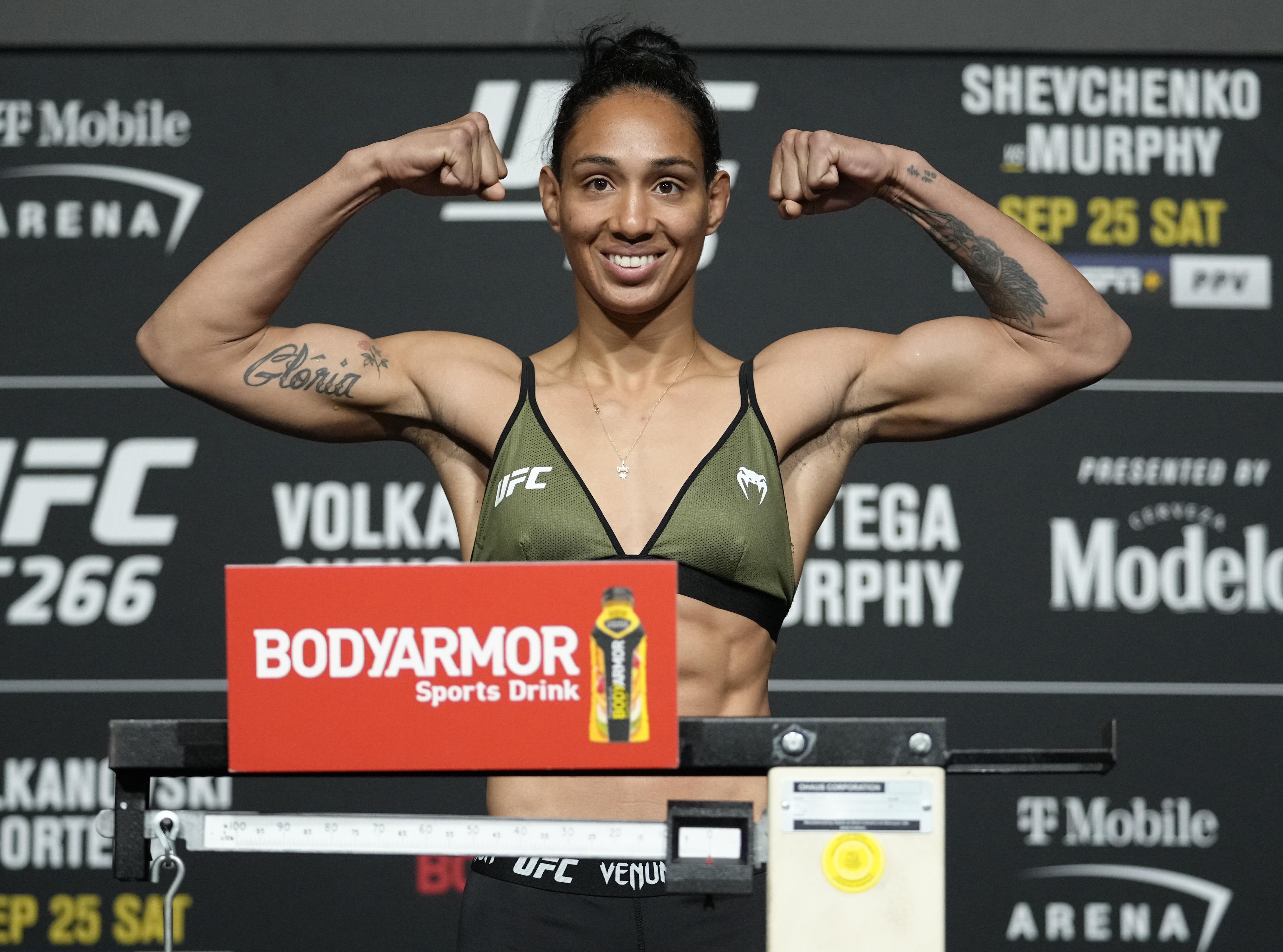 Taila Santos is set to face Roxanne Modafferi at UFC 266.