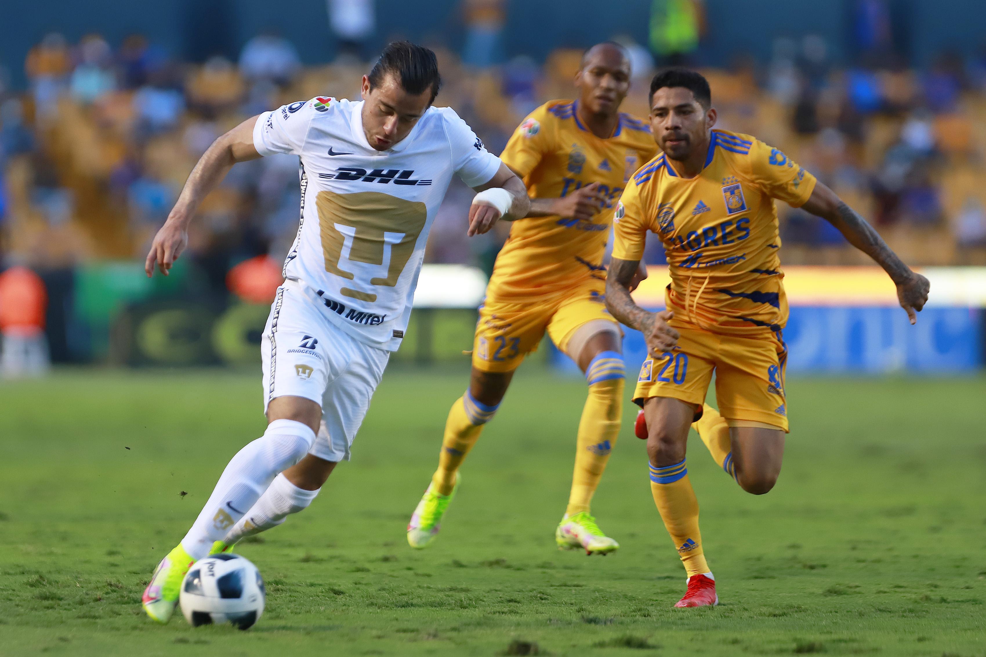 Tigres UANL v Pumas UNAM - Torneo Apertura 2021 Liga MX