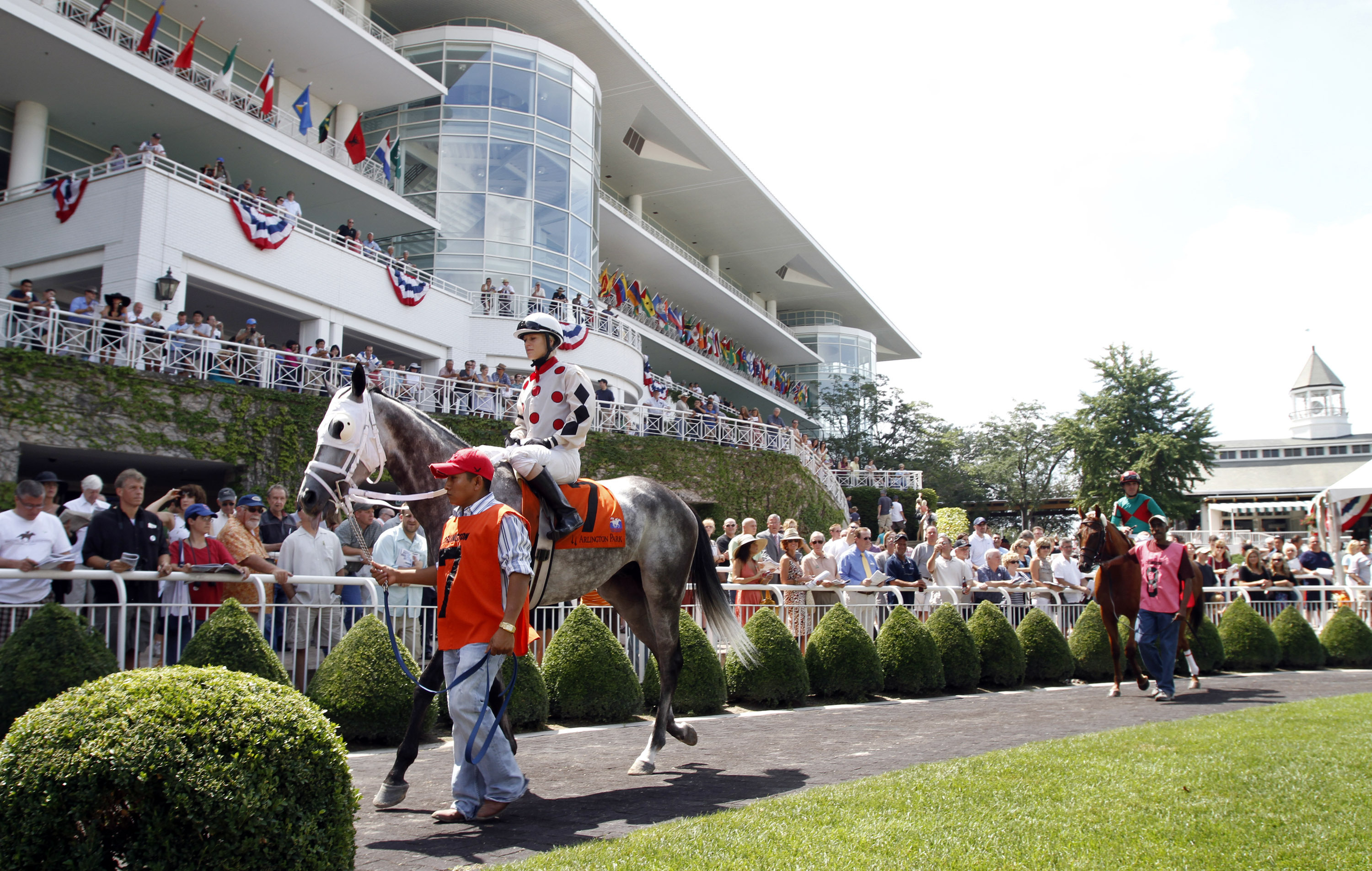 Arlington Park held its final horse race Saturday and now is in the process of being purchased by the Bears.