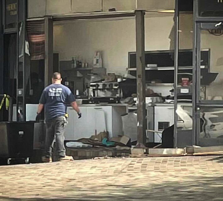 Heroic Italian's Beverly Hill kiosk after van destroyed the structure