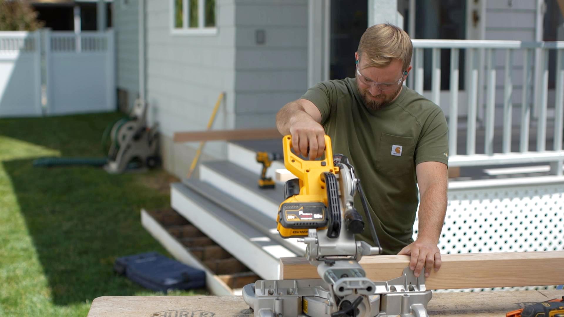 S20 E1, Nathan Gilbert builds deck stair railings