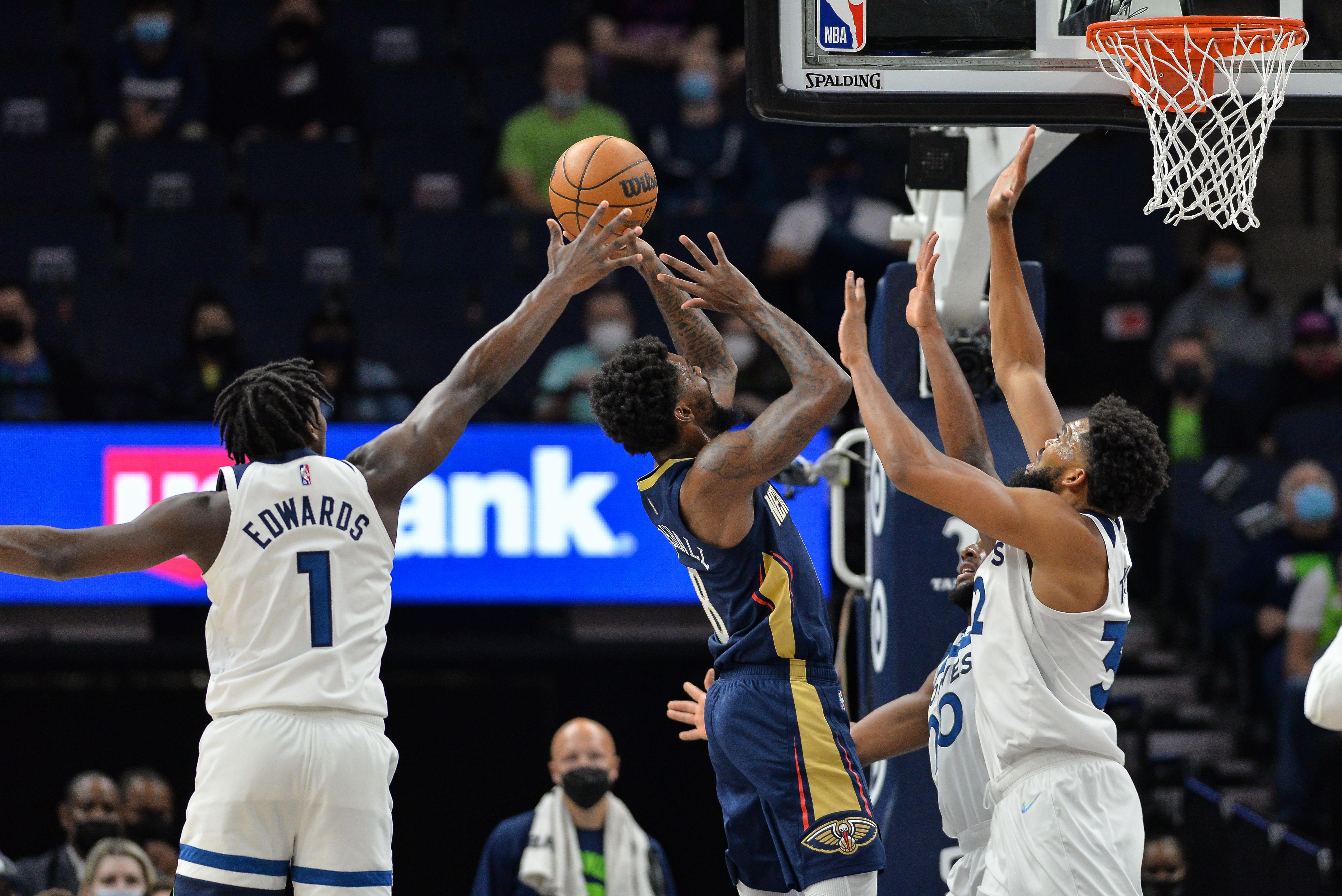 NBA: Preseason-New Orleans Pelicans at Minnesota Timberwolves