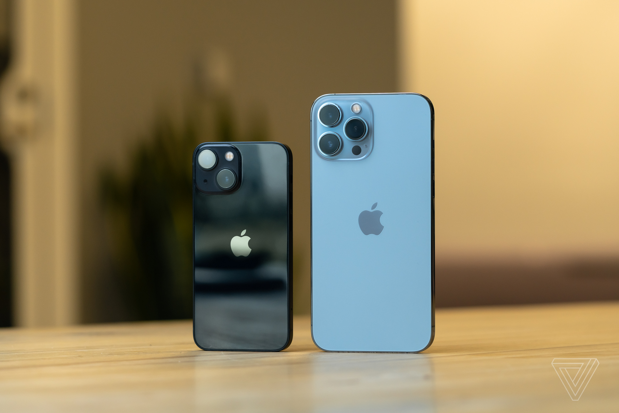 iPhone 13 Mini and iPhone 13 Pro Max