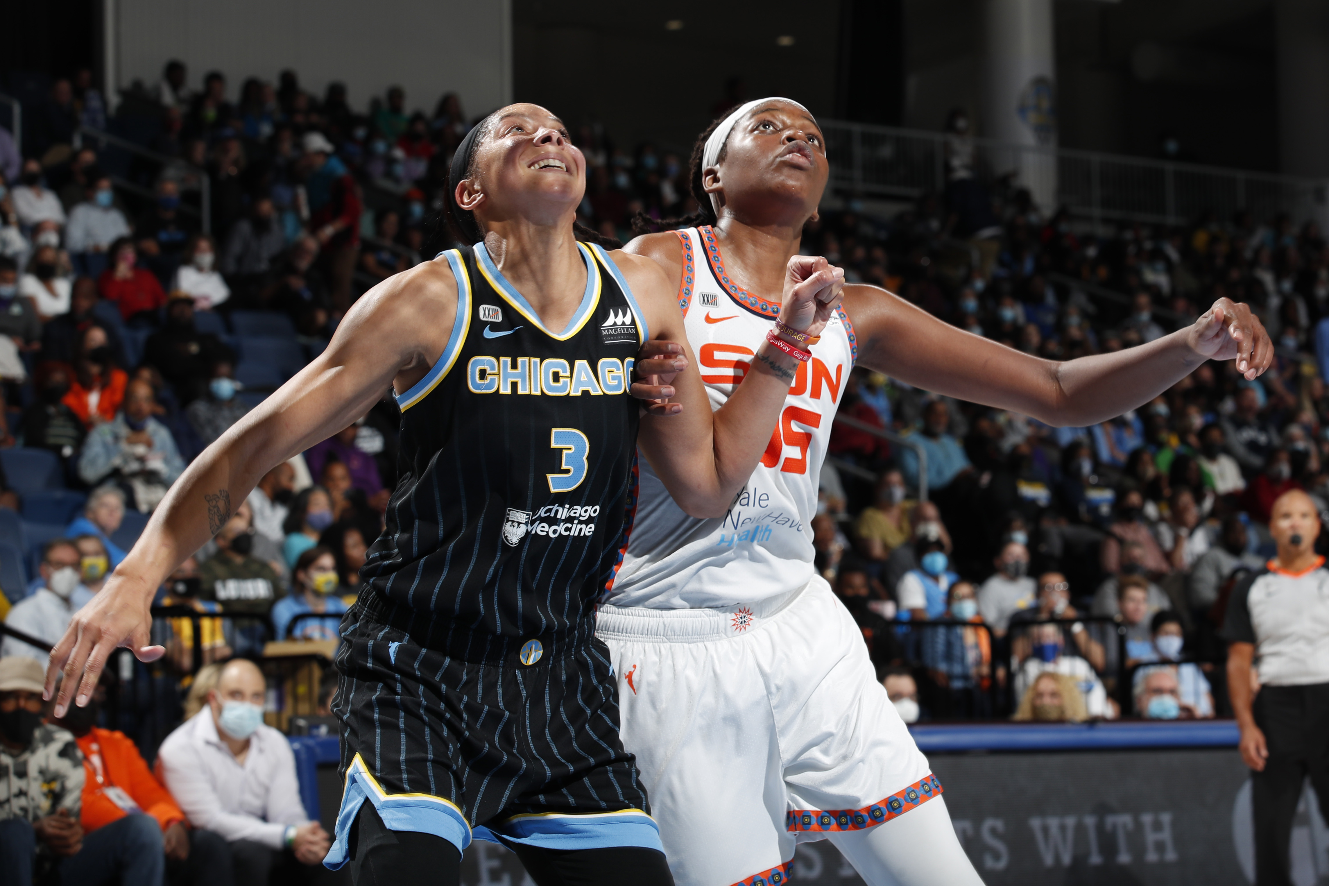 Candace Parker finished with 17 points, nine rebounds and seven assists in the Sky's Game 4 win over the Sun, solidifying their place in the WNBA Finals.