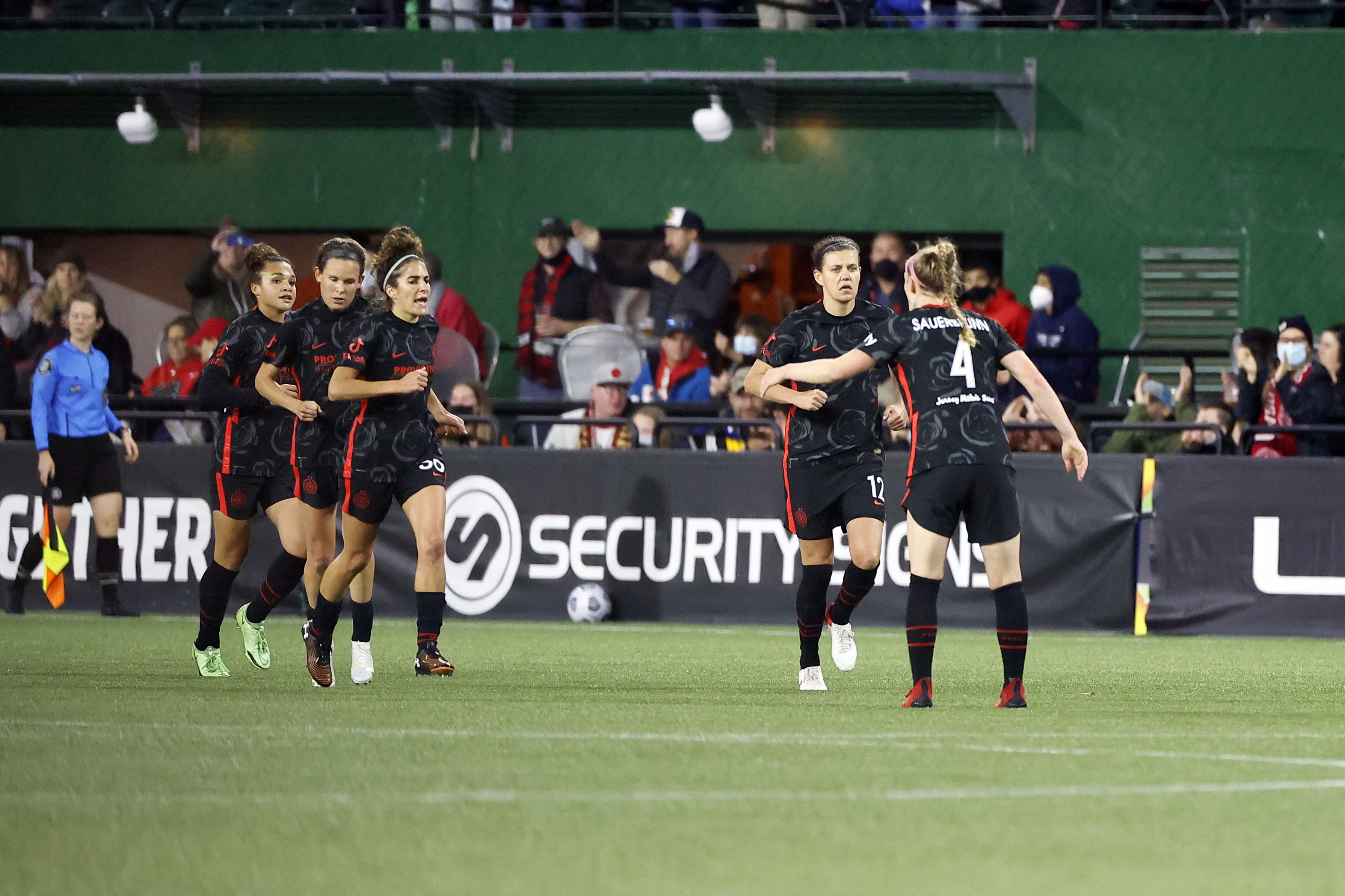 NWSL: National Women's Soccer League-Houston Dash at Portland Thorns FC