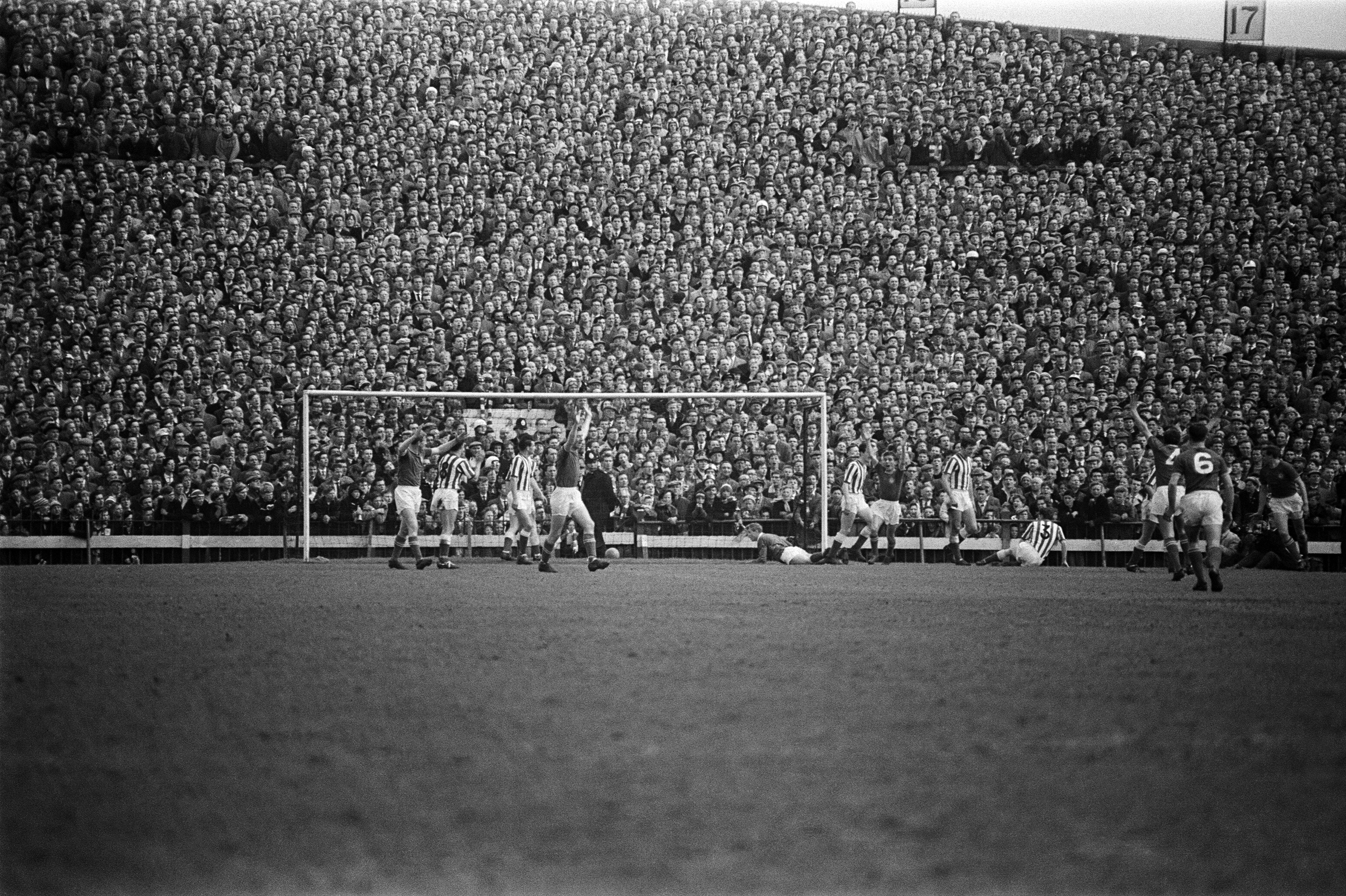 Sunderland 0 v Chelsea 1 Old League Division Two match