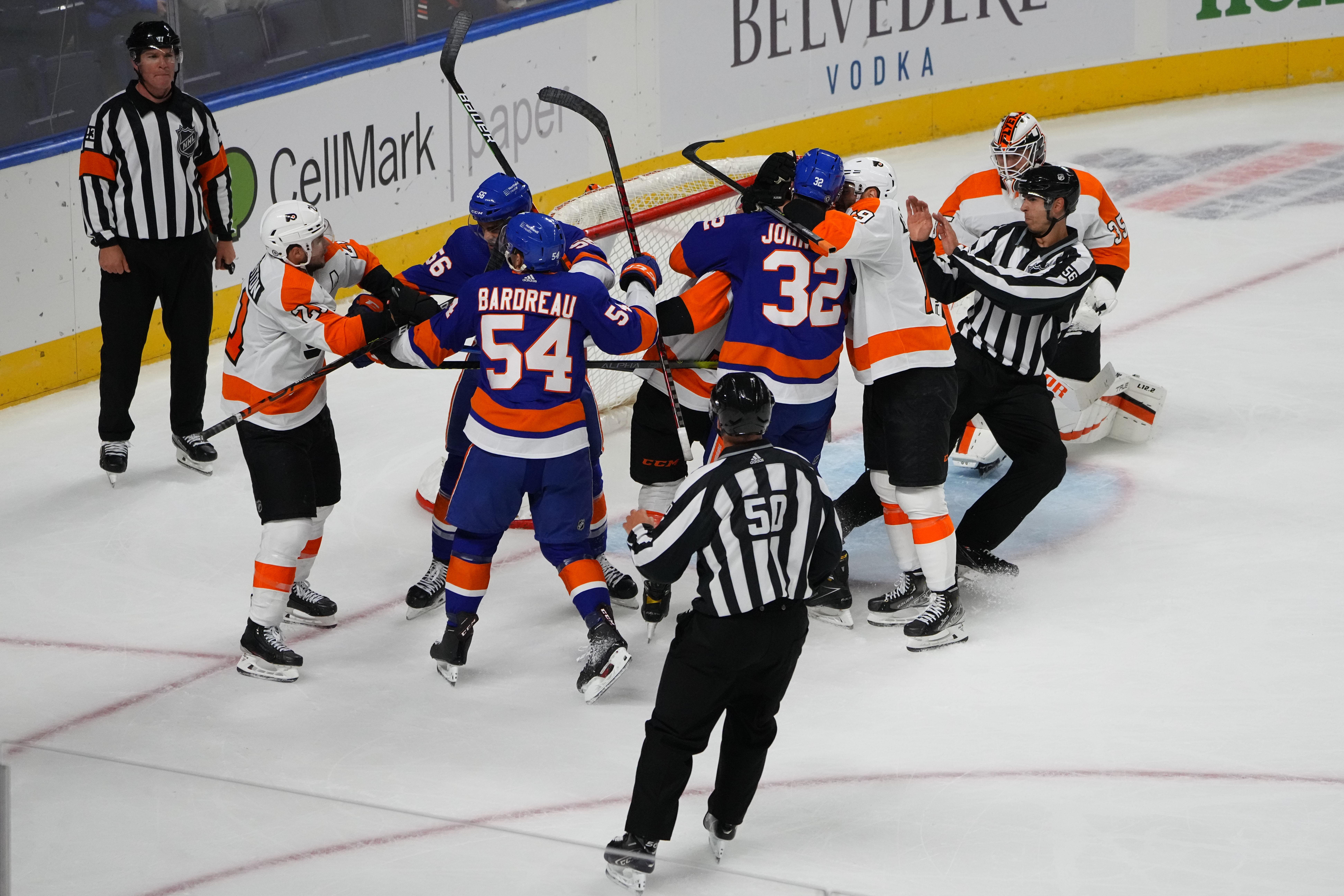 NHL: OCT 05 Preseason - Flyers v Islanders