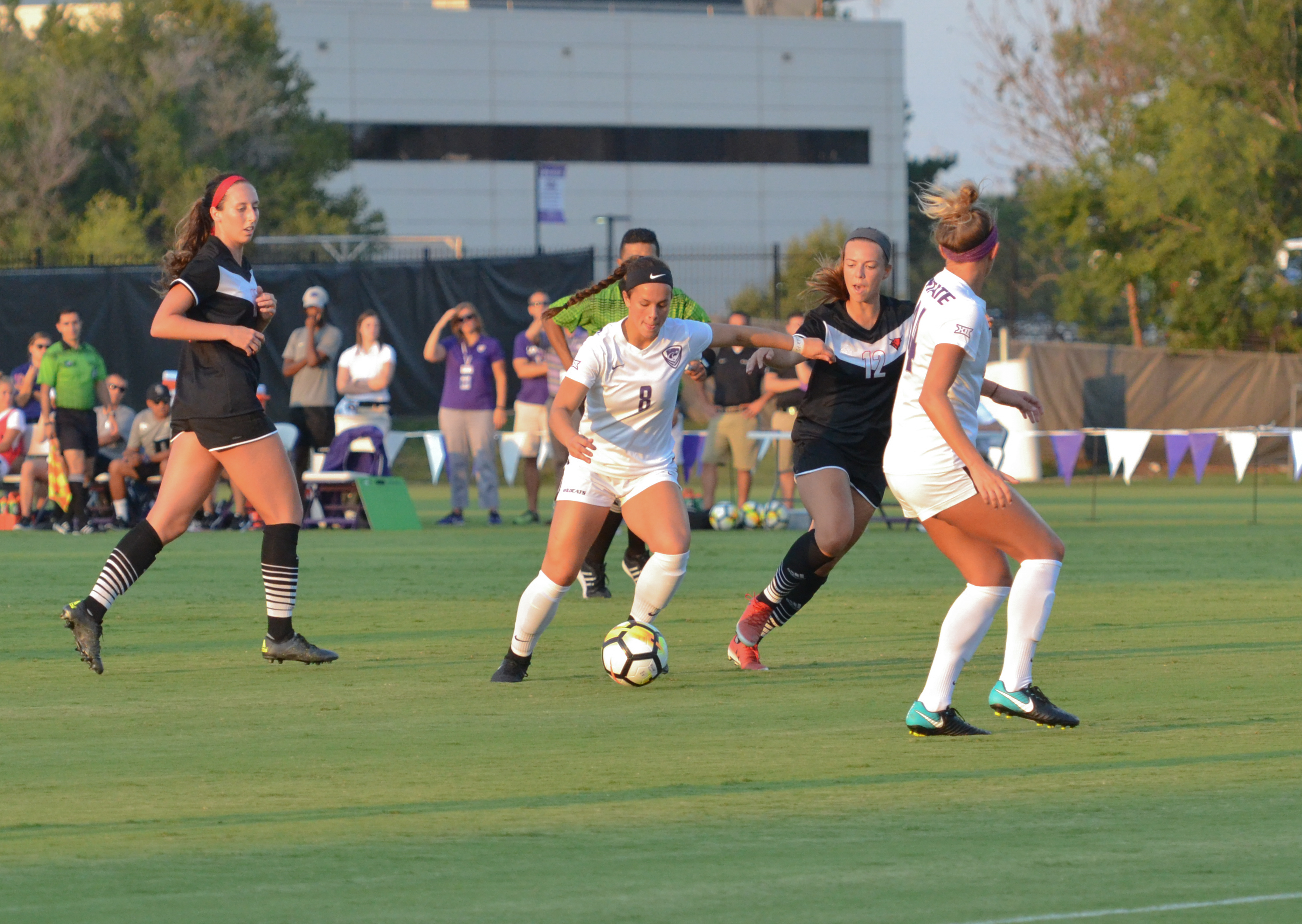 Brookelynn Entz didn't find the net this weekend, but a big assist resulted in a huge draw.