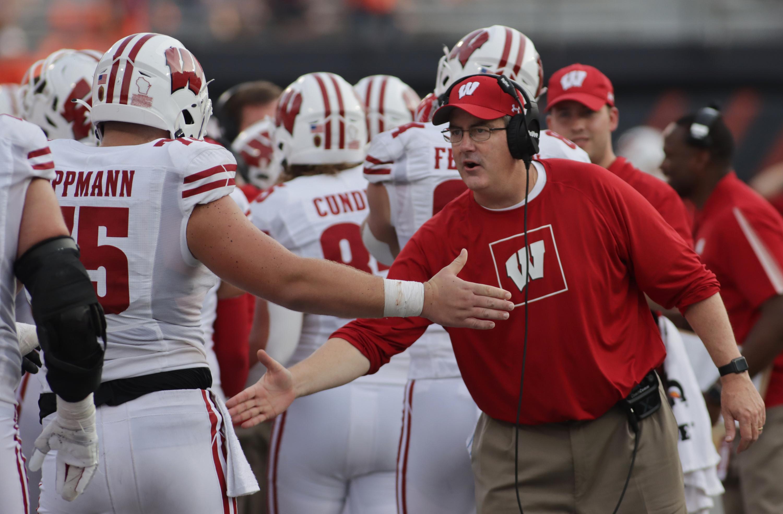 NCAA Football: Wisconsin at Illinois