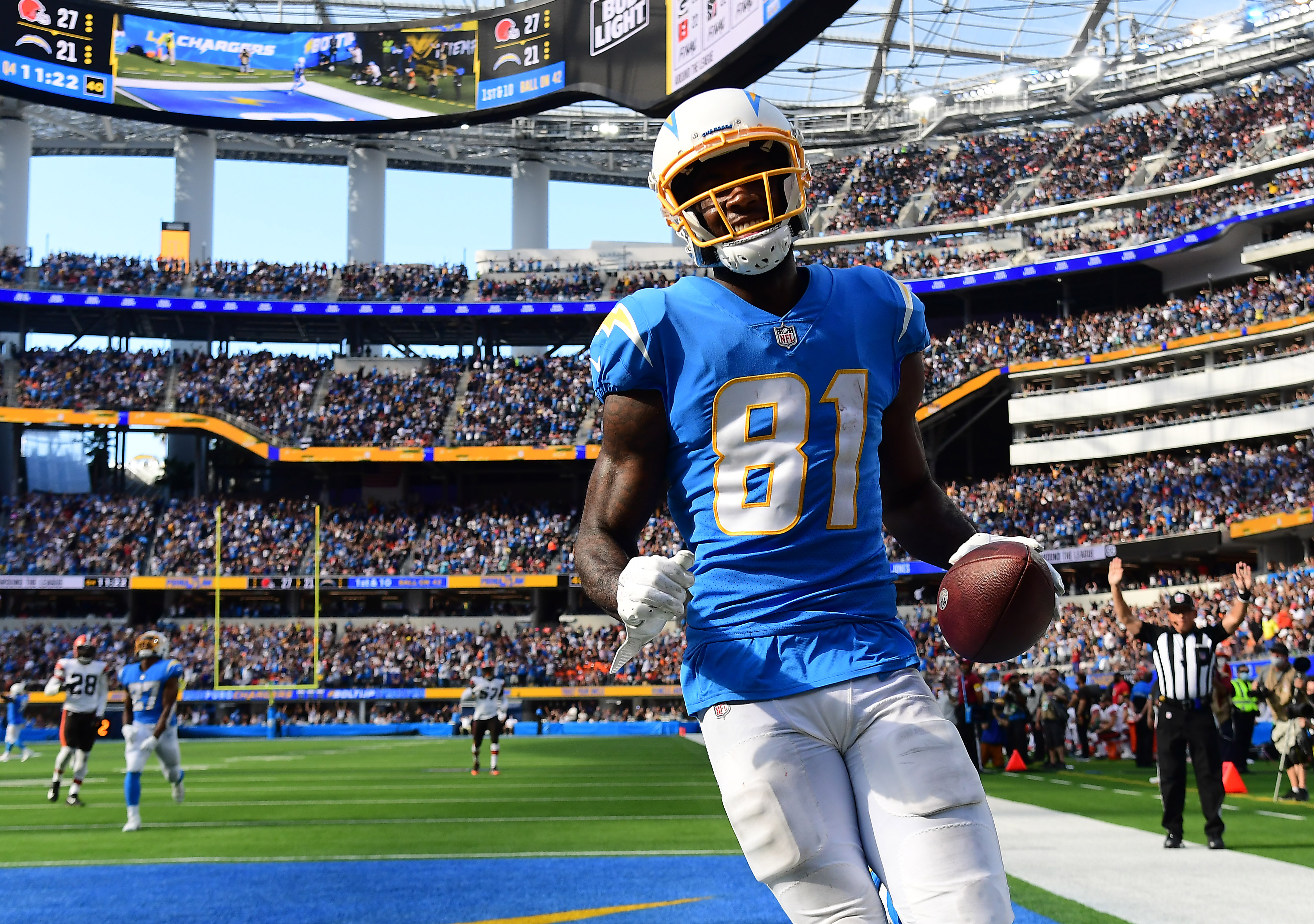 NFL: Cleveland Browns at Los Angeles Chargers