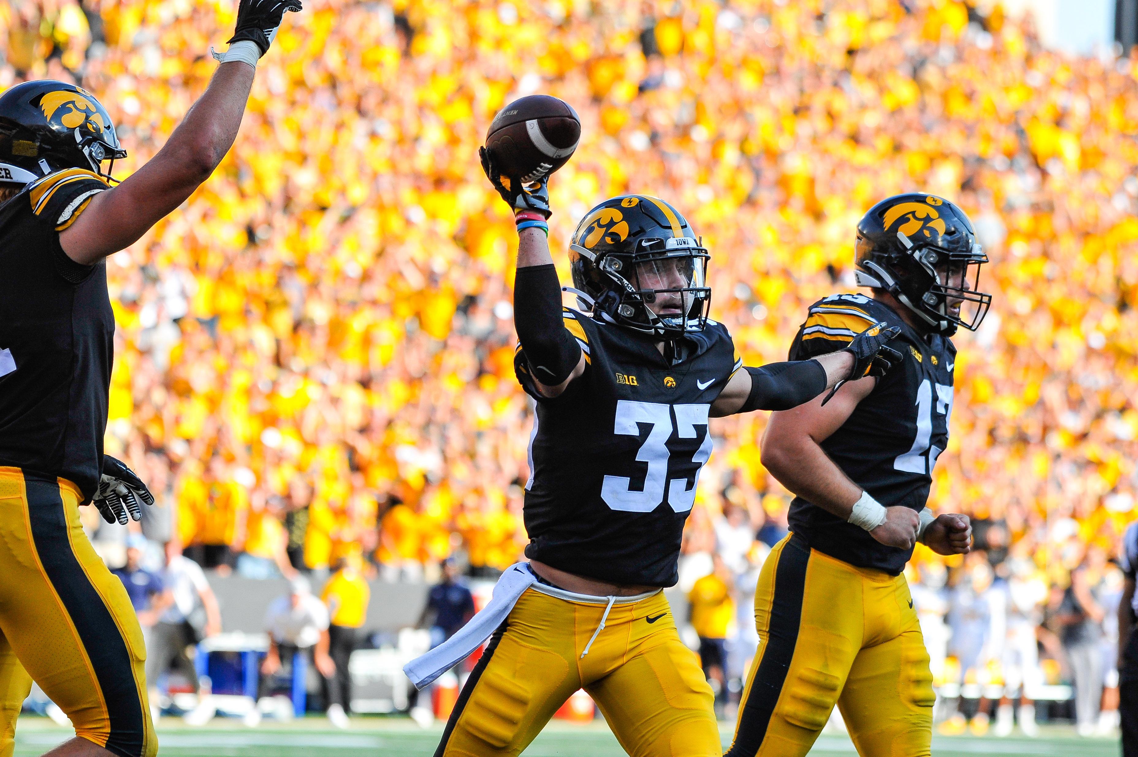 NCAA Football: Kent State at Iowa
