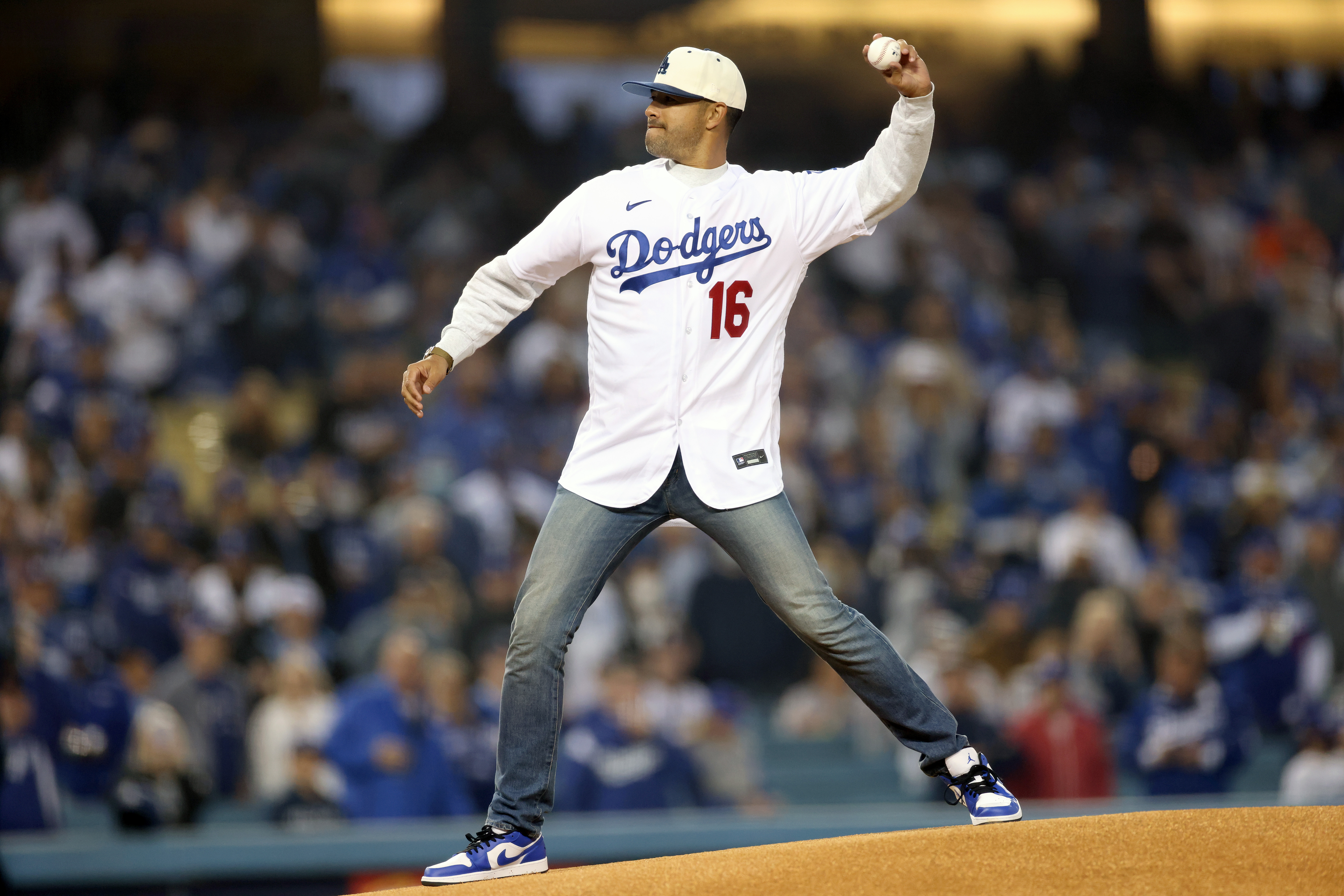 Division Series - San Francisco Giants v Los Angeles Dodgers - Game Three