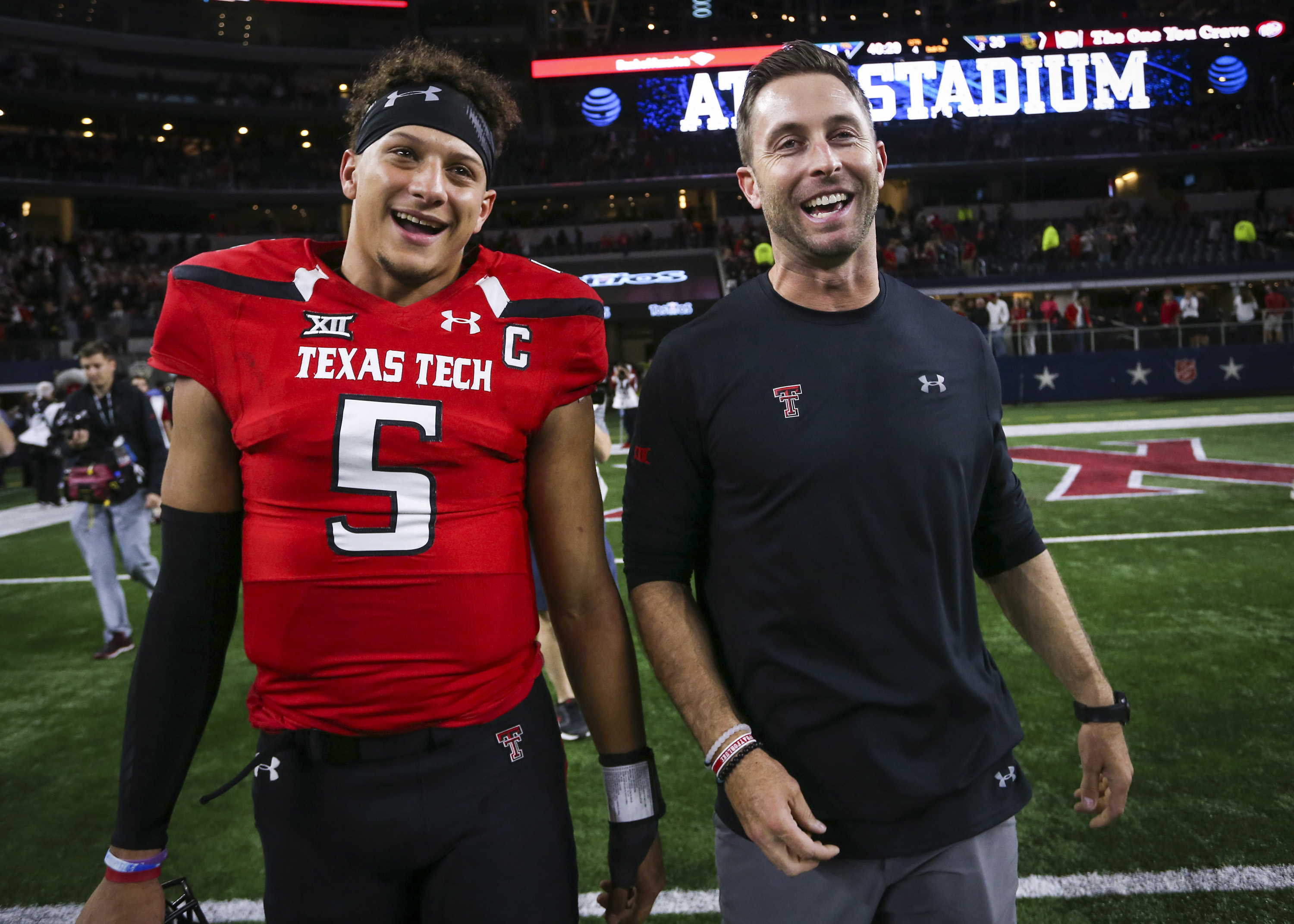 Hot prospect Kingsbury brings small-town history, big offensive resume and movie star looks to USC