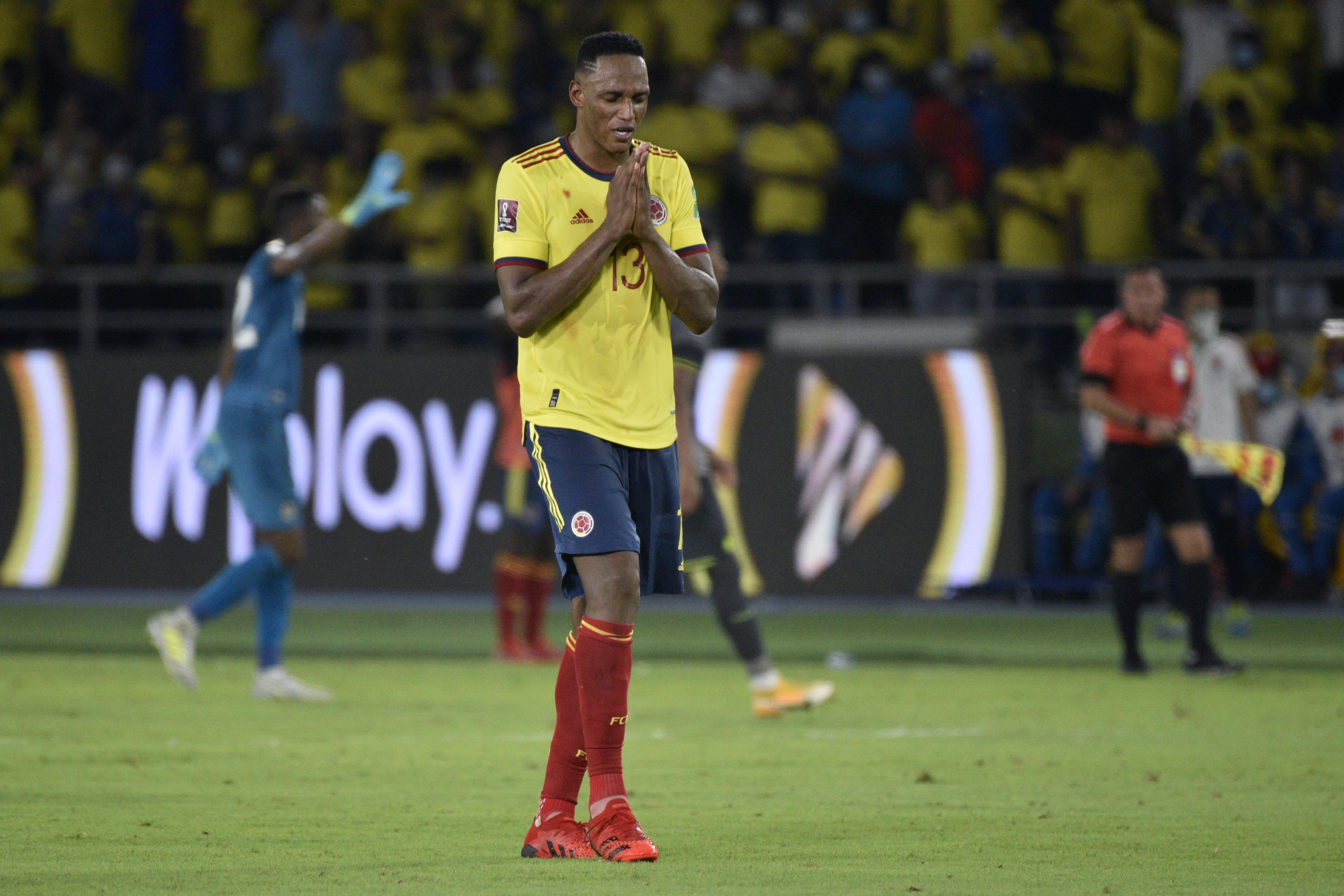 Colombia v Ecuador - FIFA World Cup 2022 Qatar Qualifier