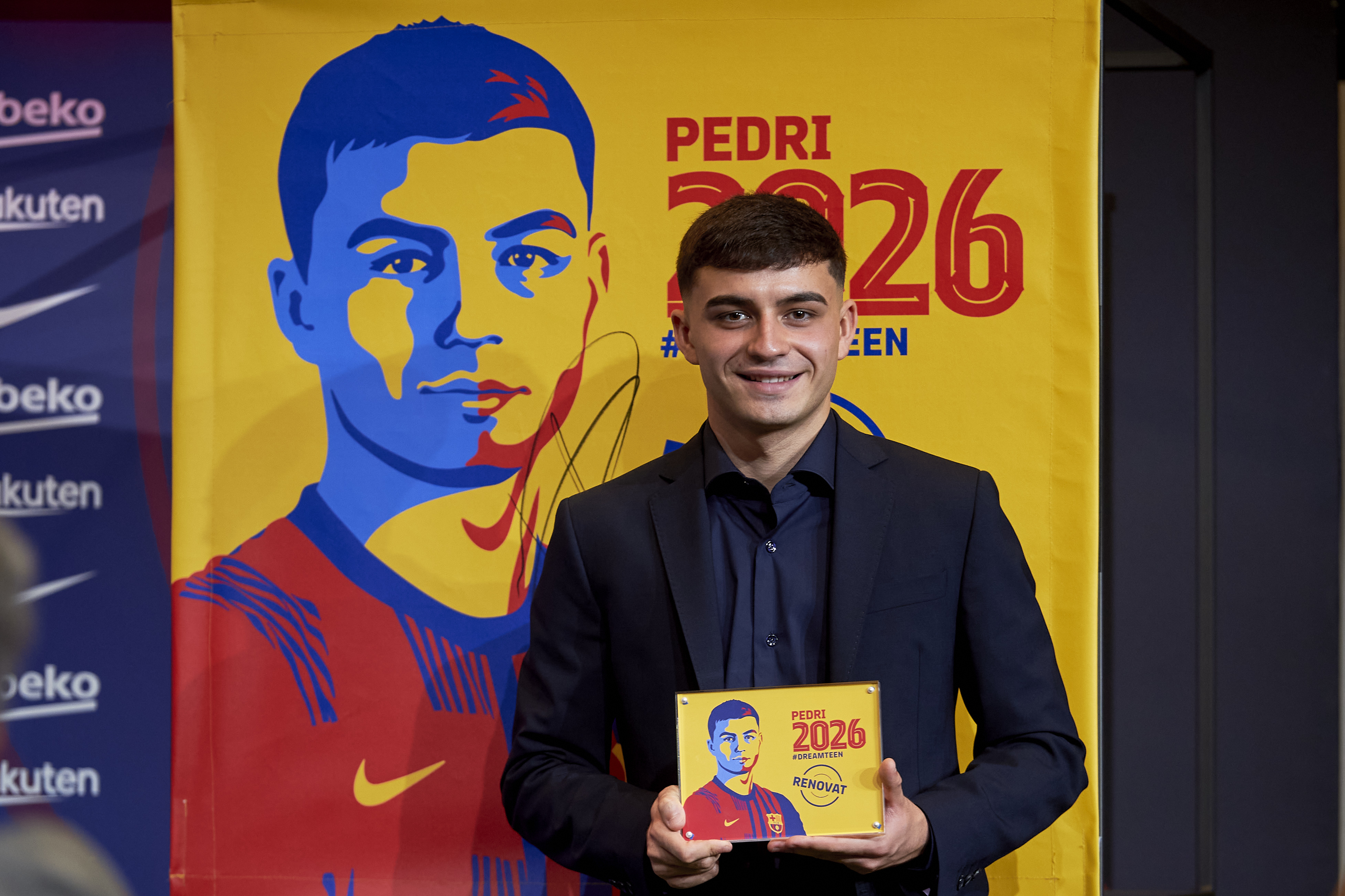 Pedri Signs With FC Barcelona