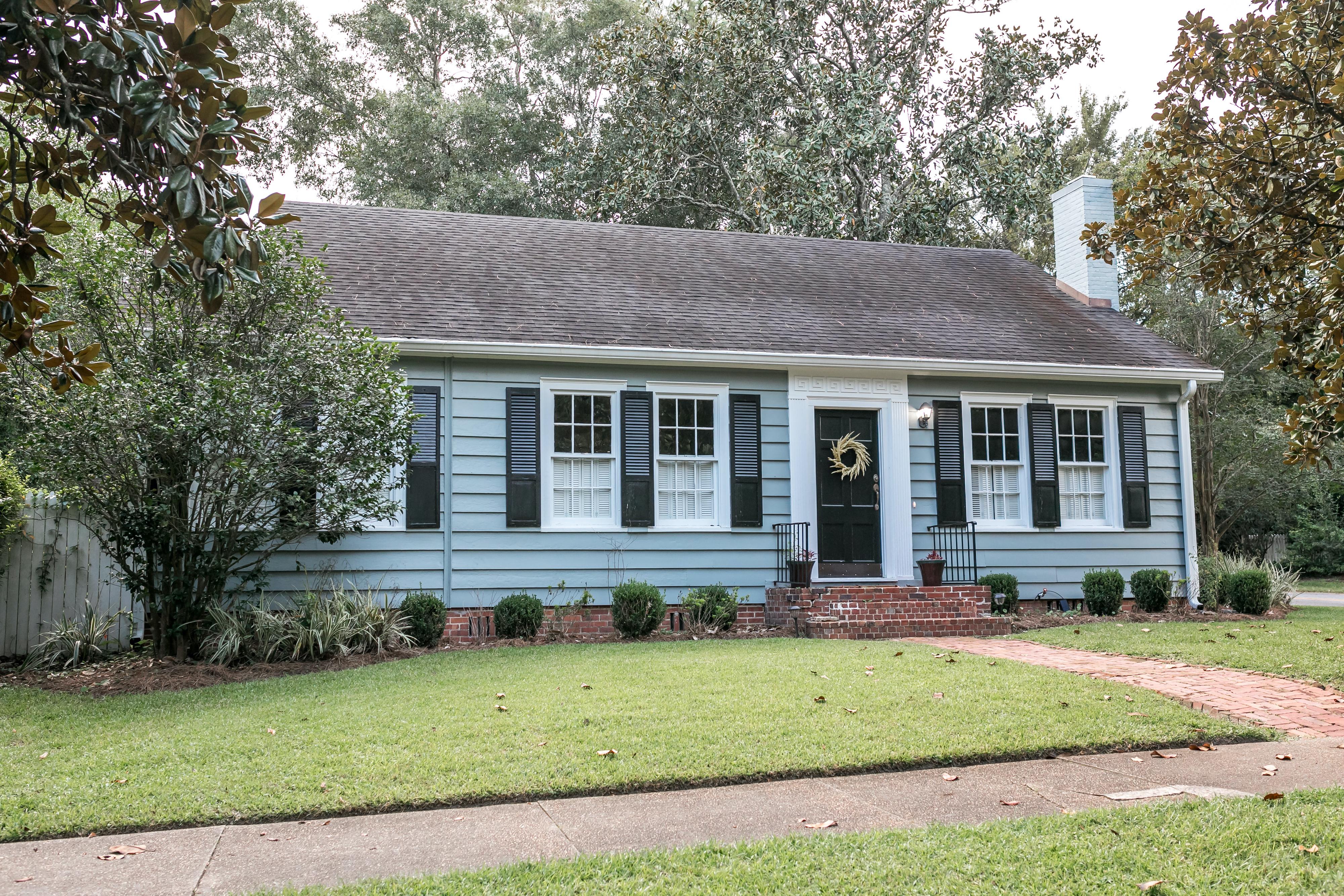 Blue cottage for seniors