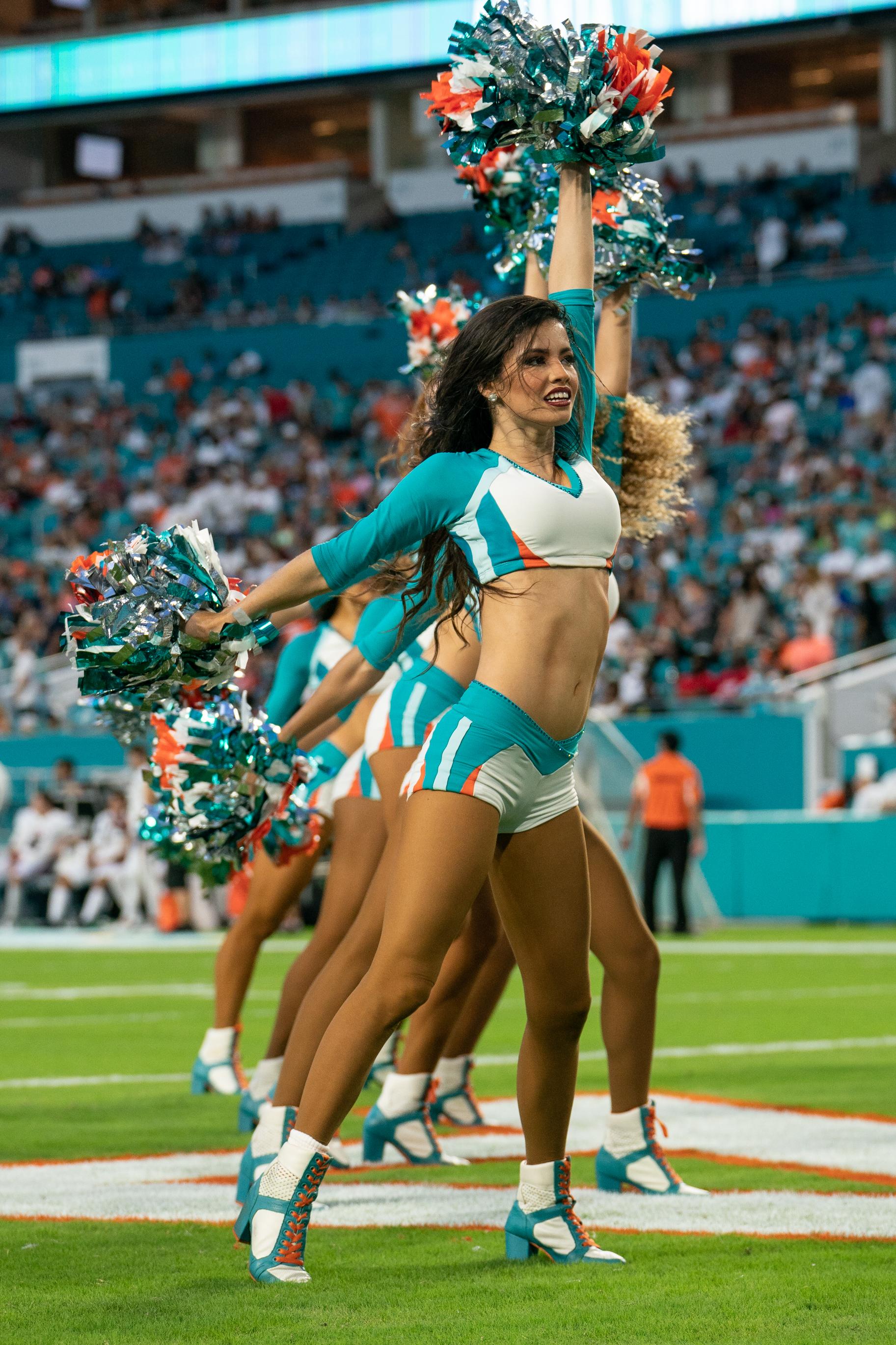 NFL: AUG 21 Preseason - Falcons at Dolphins