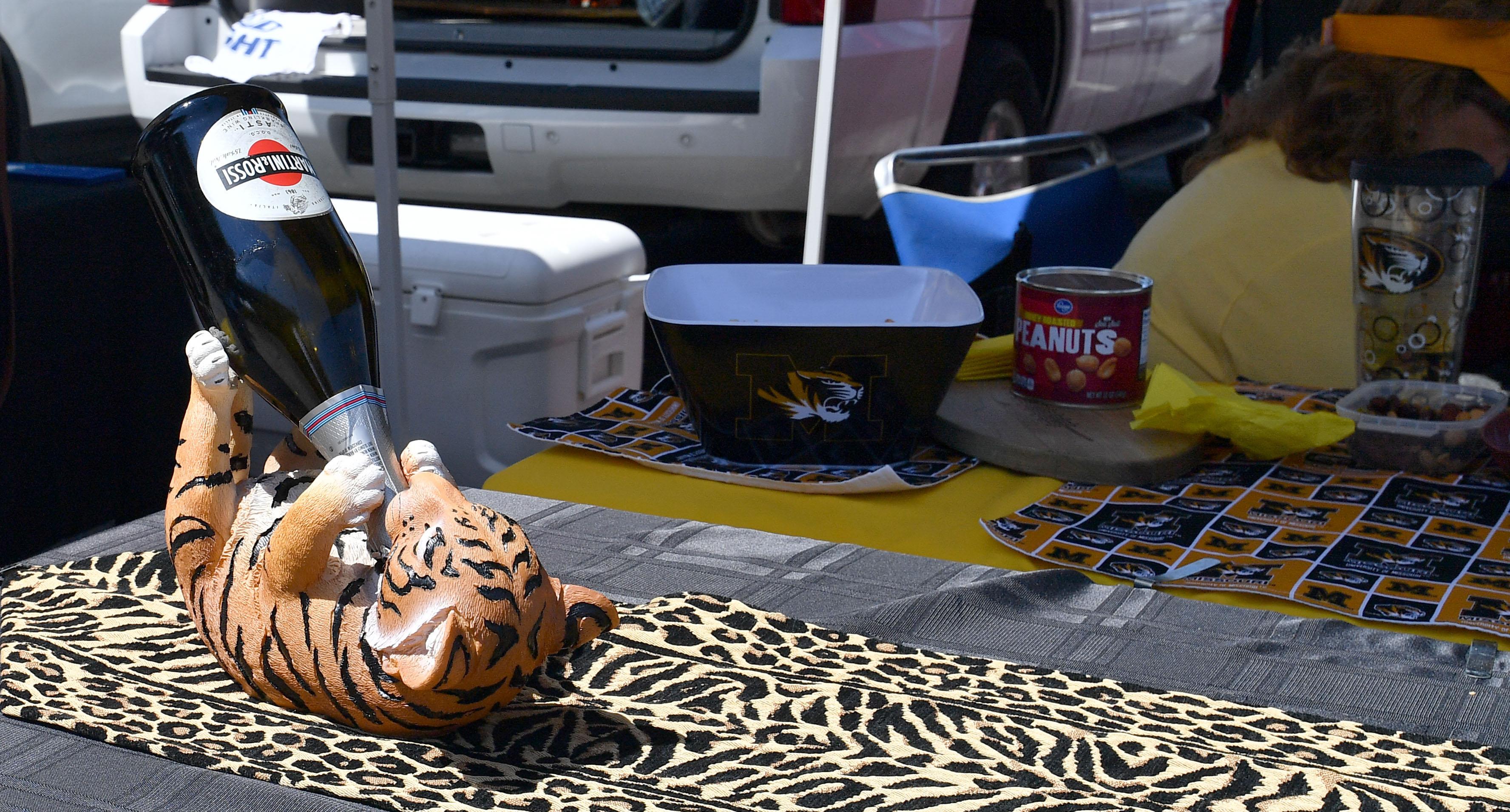 Tiger tailgate scene