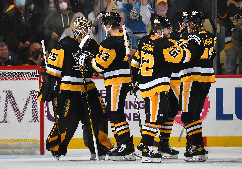 Chicago Blackhawks v Pittsburgh Penguins