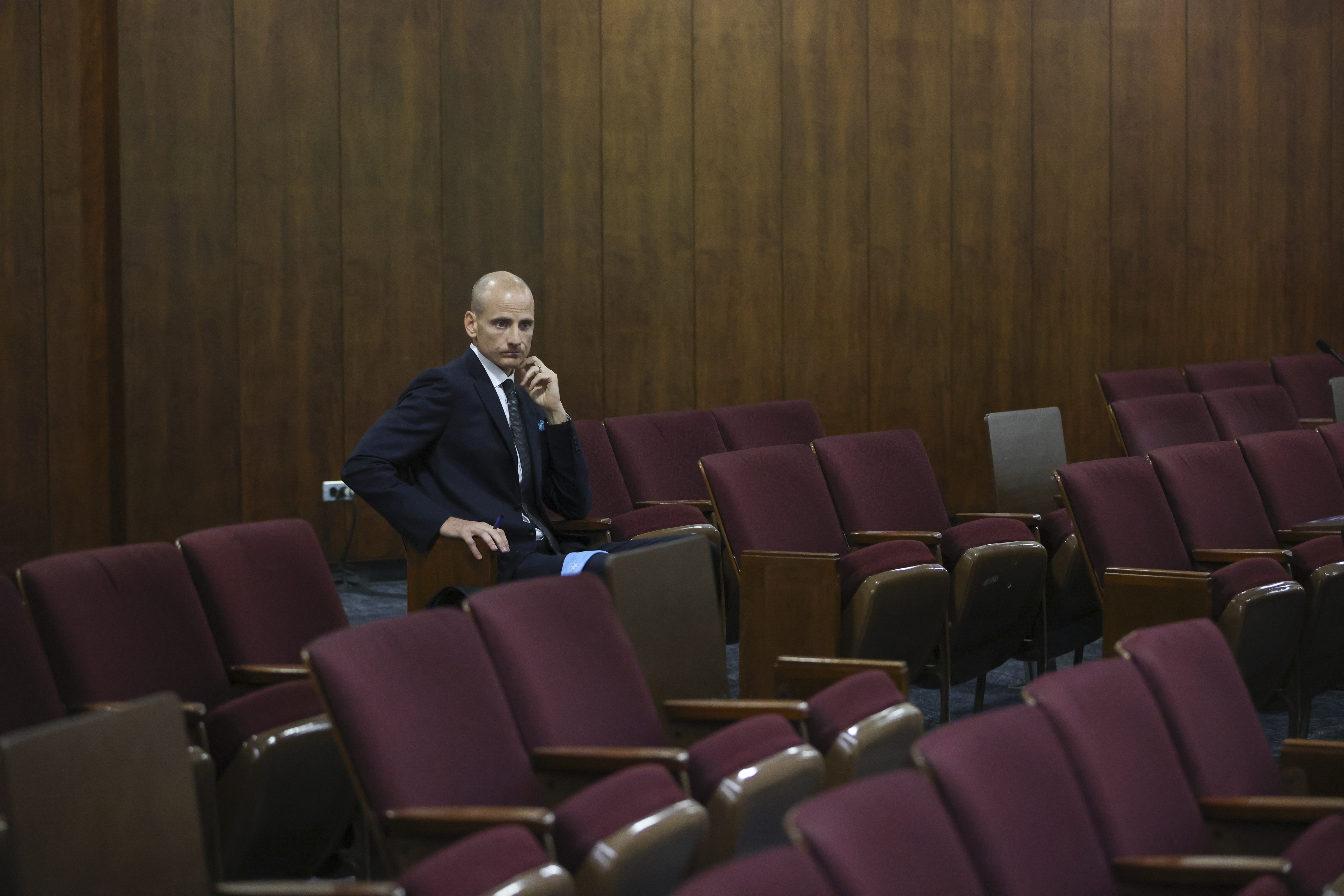 Ald. James M. Gardiner (45th) takes a seat after apologizing to the City Council on Sept. 14.