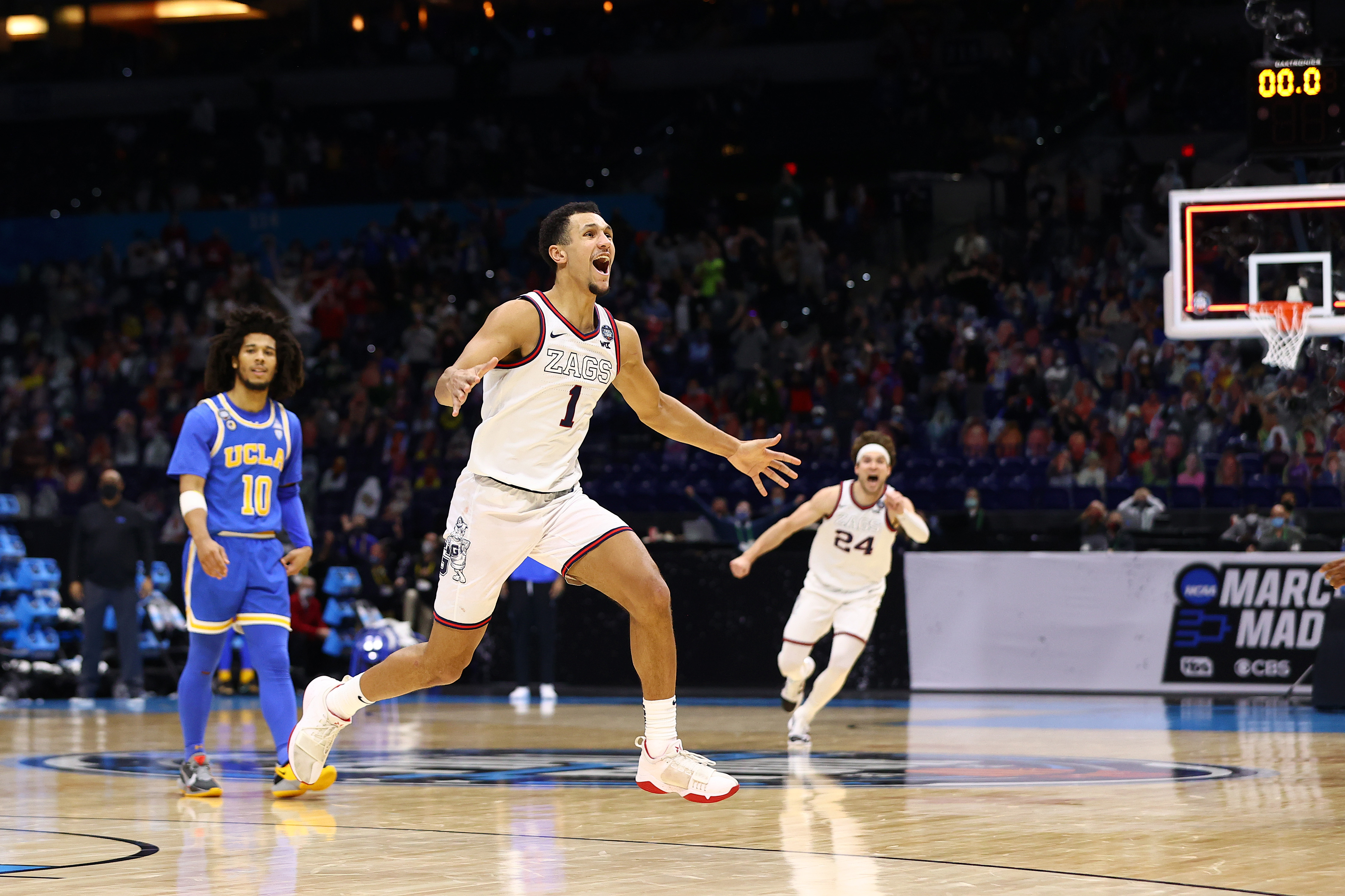 UCLA v Gonzaga