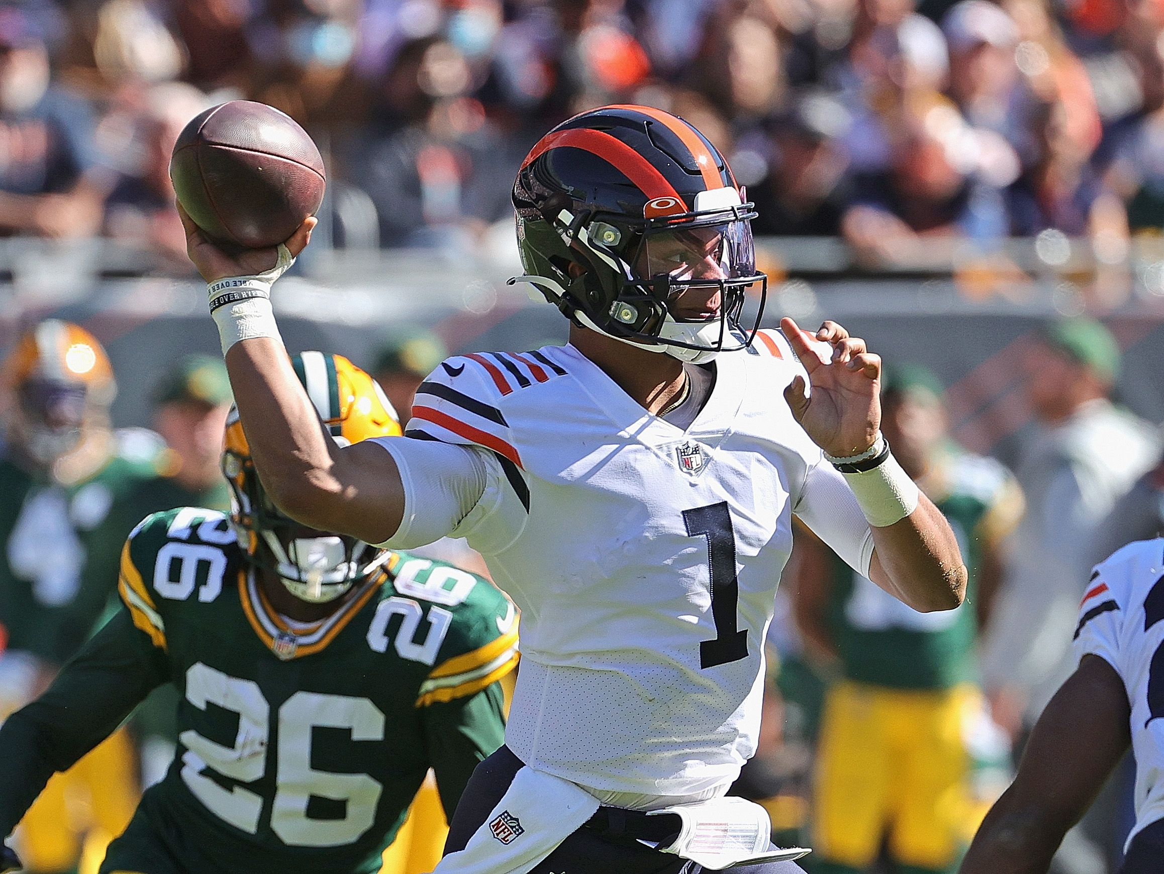 Bears quarterback Justin Fields completed 16-of-27 passes for 174 yards, one touchdown and one interception for a 75.2 passer rating against the Packers on Sunday. He also rushed six times for 43 yards.