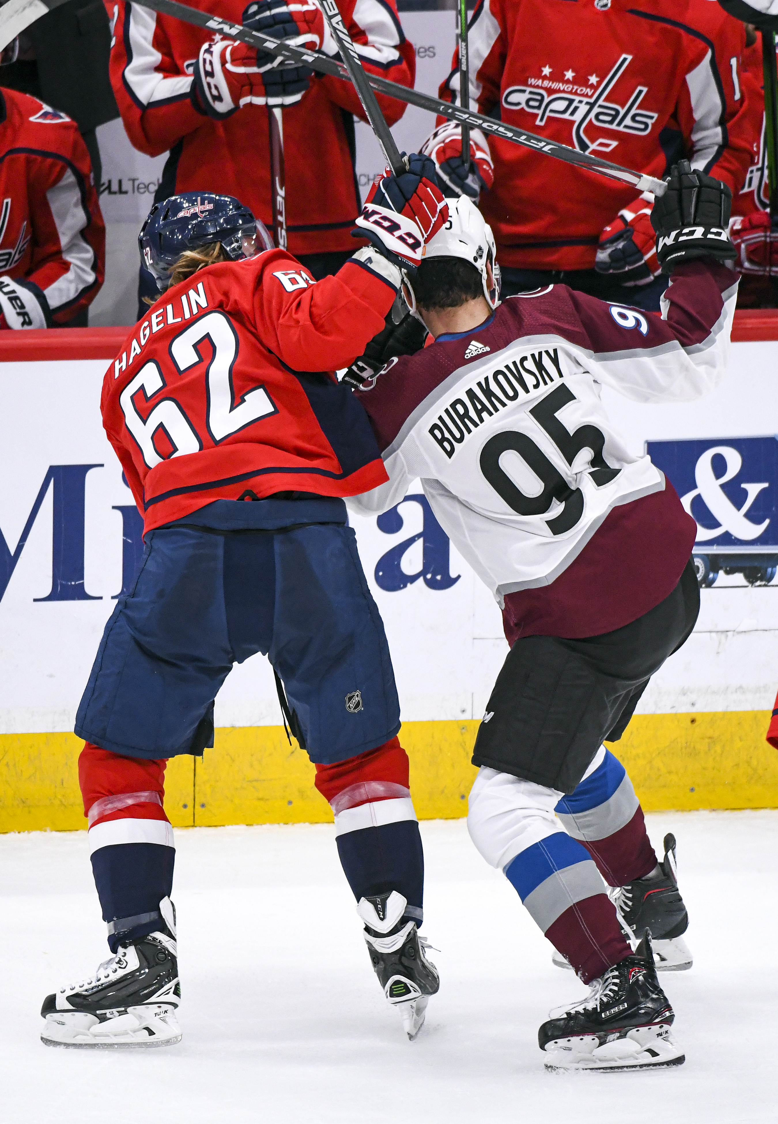 NHL: OCT 14 Avalanche at Capitals