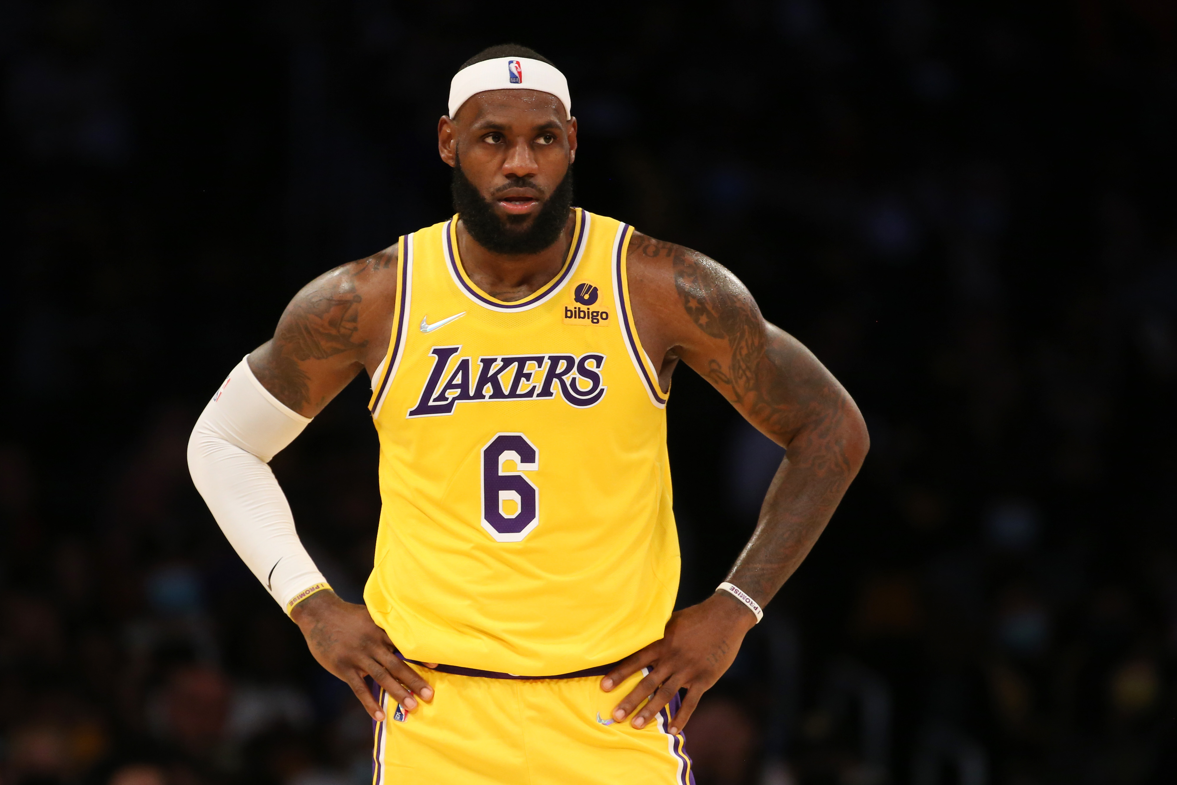 Los Angeles Lakers forward LeBron James (6) during the game against the Golden State Warriors at Staples Center. The Warriors won 111-99.