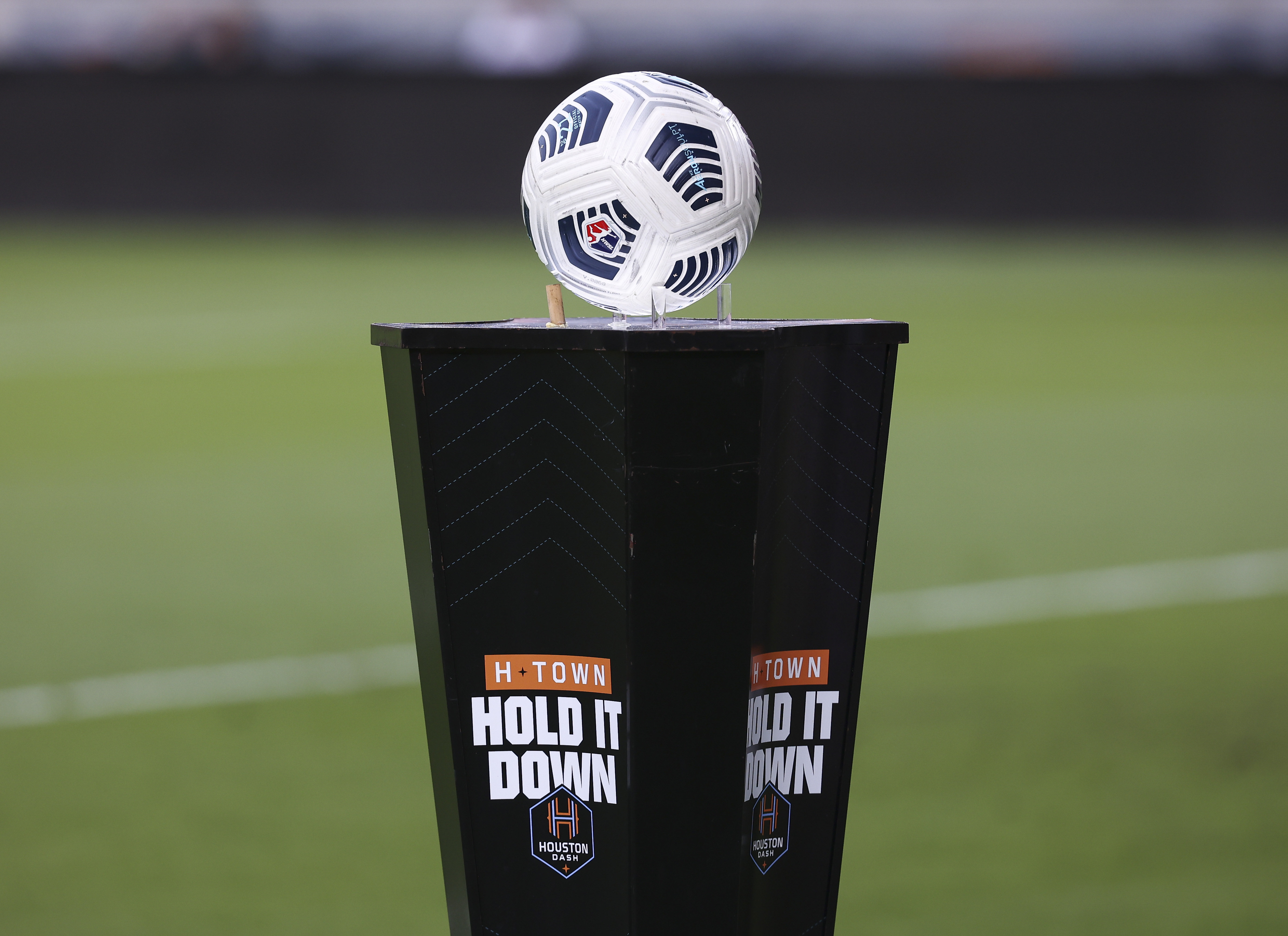 NWSL: National Womens Soccer League-Portland Thorns FC at Houston Dash