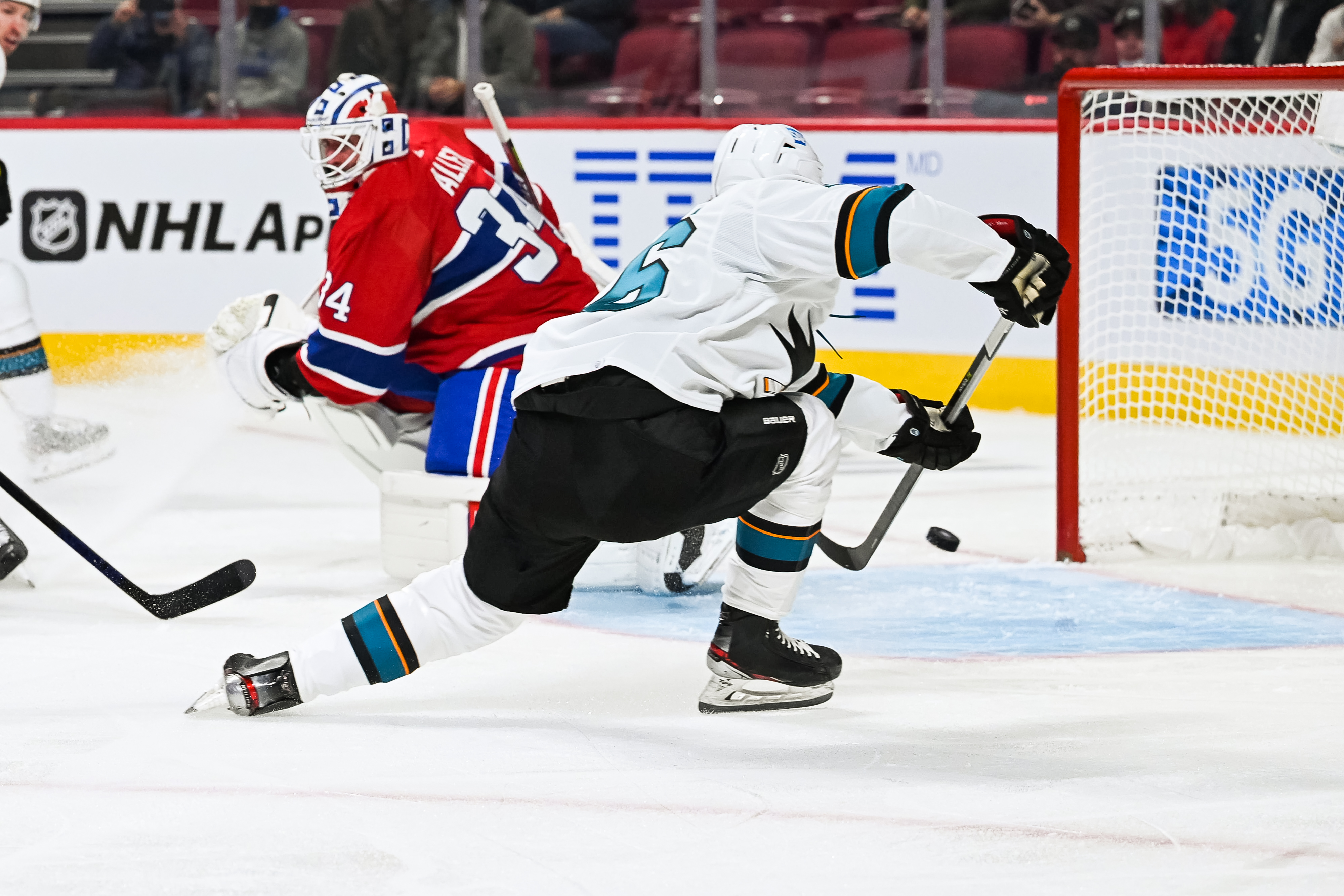 NHL: OCT 19 Sharks at Canadiens