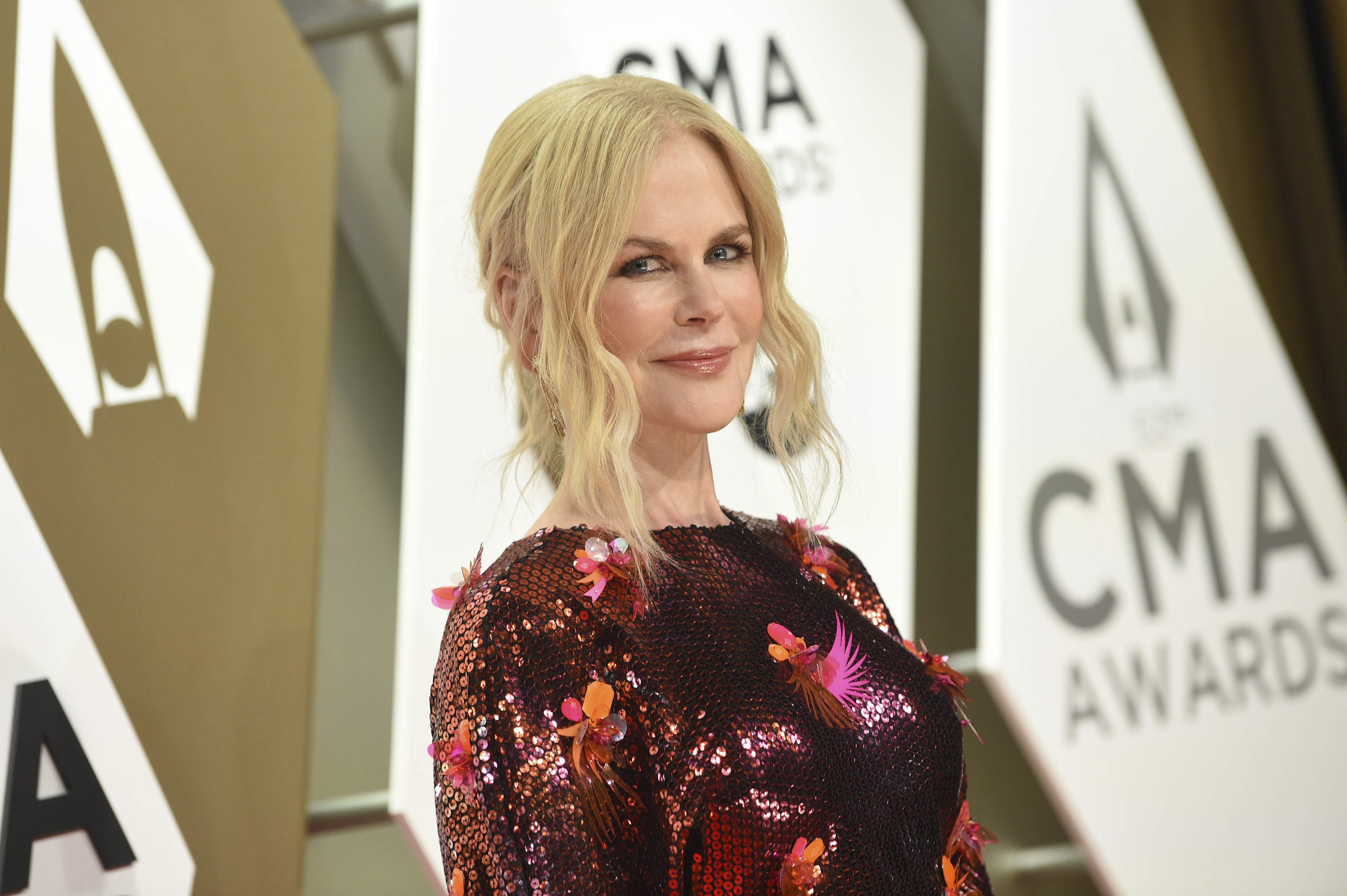 Nicole Kidman arrives at the 53rd annual CMA Awards in Nashville, Tennessee.