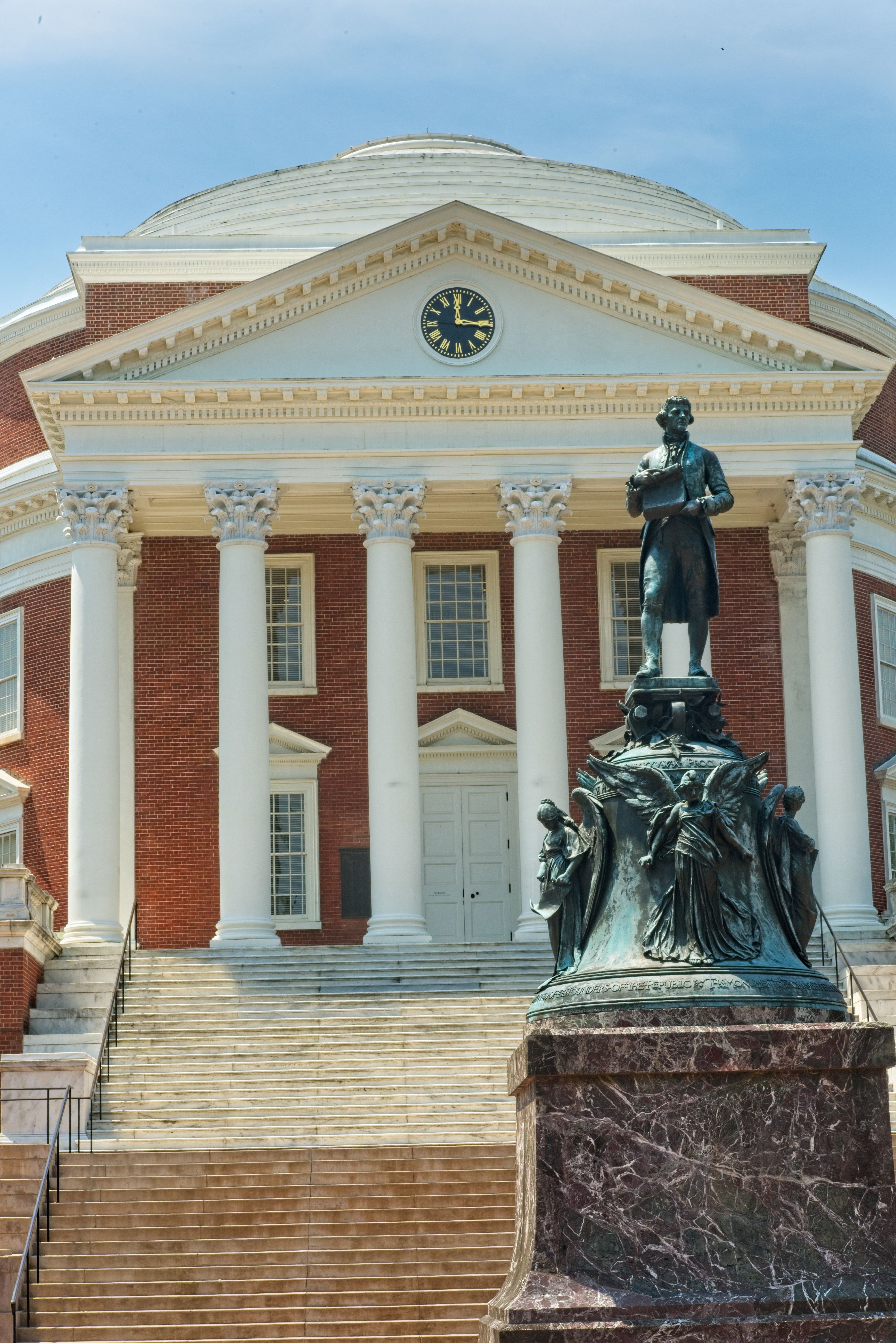 Statue of Thomas Jefferson in front of The Rotunda on the campus of the University of Virginia, Charlottesville, Virginia
