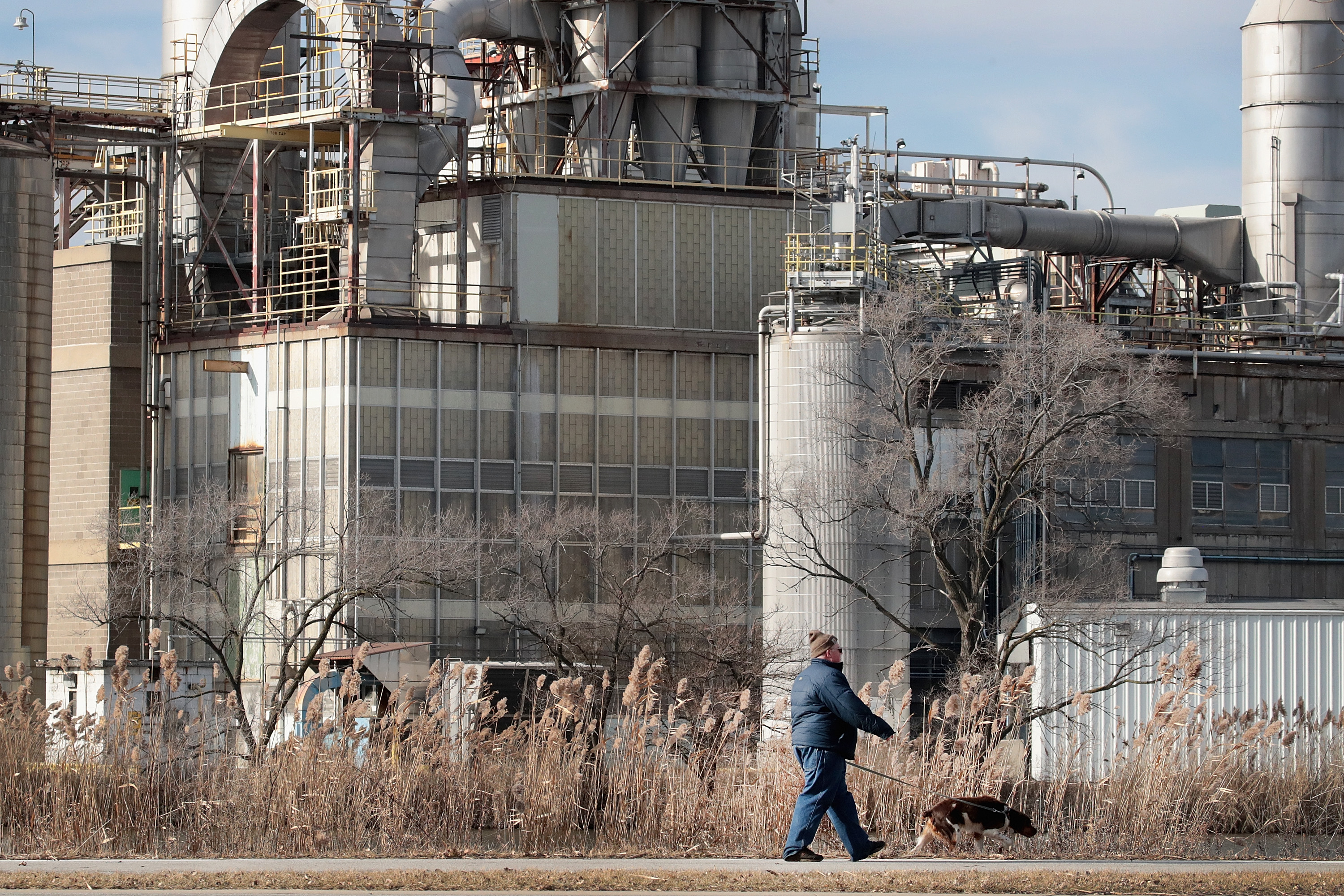 A Cargill plant dominates the landscape along Wolf Lake on the edge of Forsythe Park on January 08, 2019 in Hammond, Indiana. According to a report from the Rhodium Group, carbon dioxide emissions in the United States rose 3.4 percent last year, the largest increase in eight years. A rise in emissions from factories, trucks and planes contributed heavily to this increase.