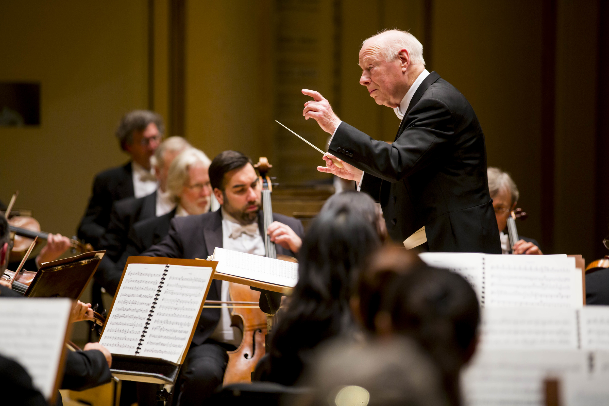 Bernard Haitink conducts the Chicago Symphony Orchestra in 2013.
