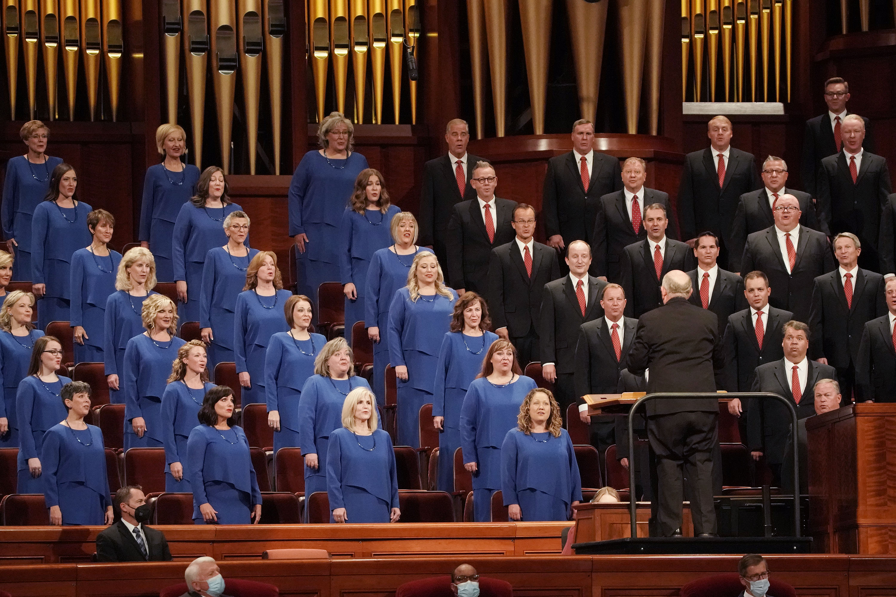Members of the Tabernacle Choir at Temple Square sing during the 191st General Conference.